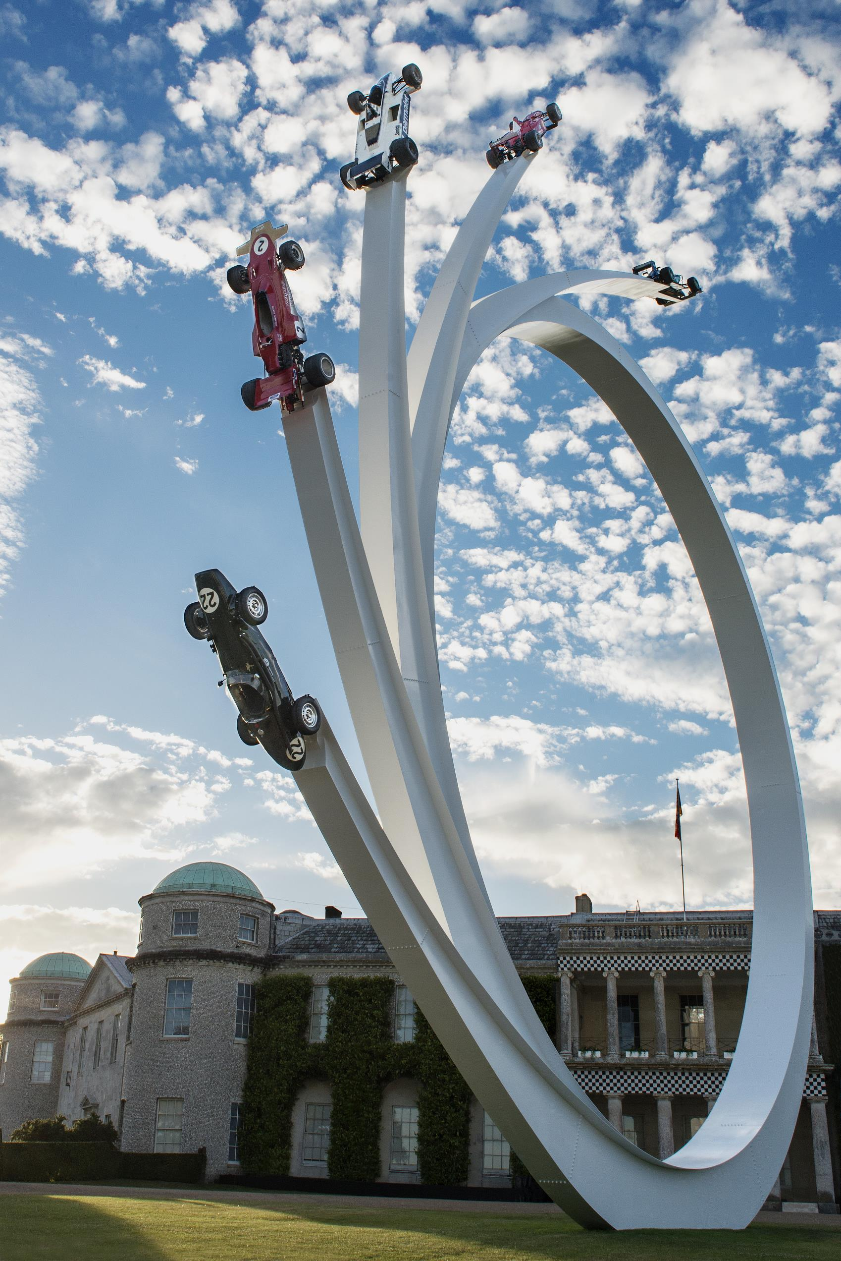 2017 goodwood festival of speed opens with sculpture honoring bernie ecclestone. Black Bedroom Furniture Sets. Home Design Ideas
