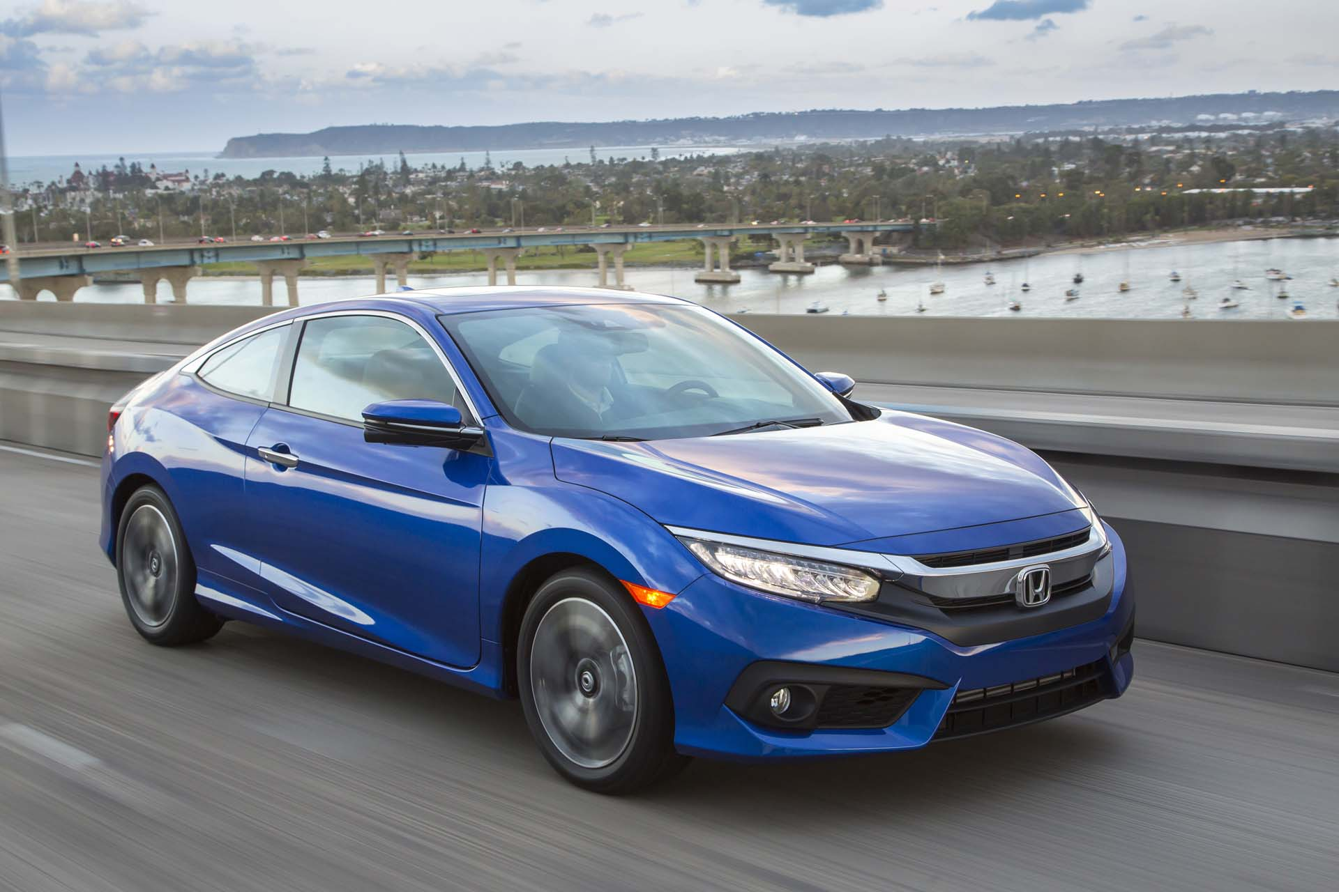 2017 Honda Civic Vs Toyota Corolla Compare Cars