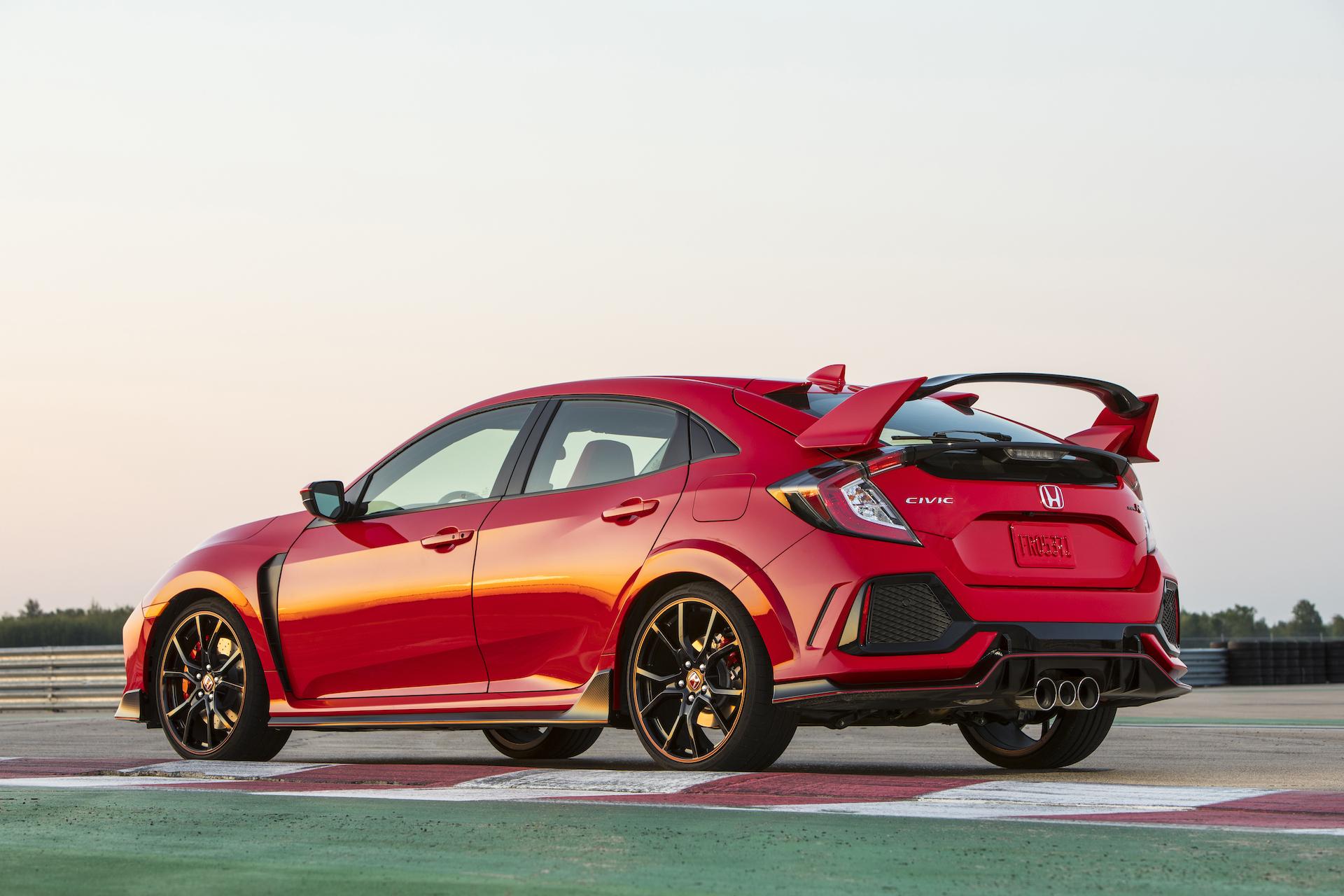 Honda Civic Srt >> Honda Civic Type R Sees Small Price Hike For 2018 Model Year