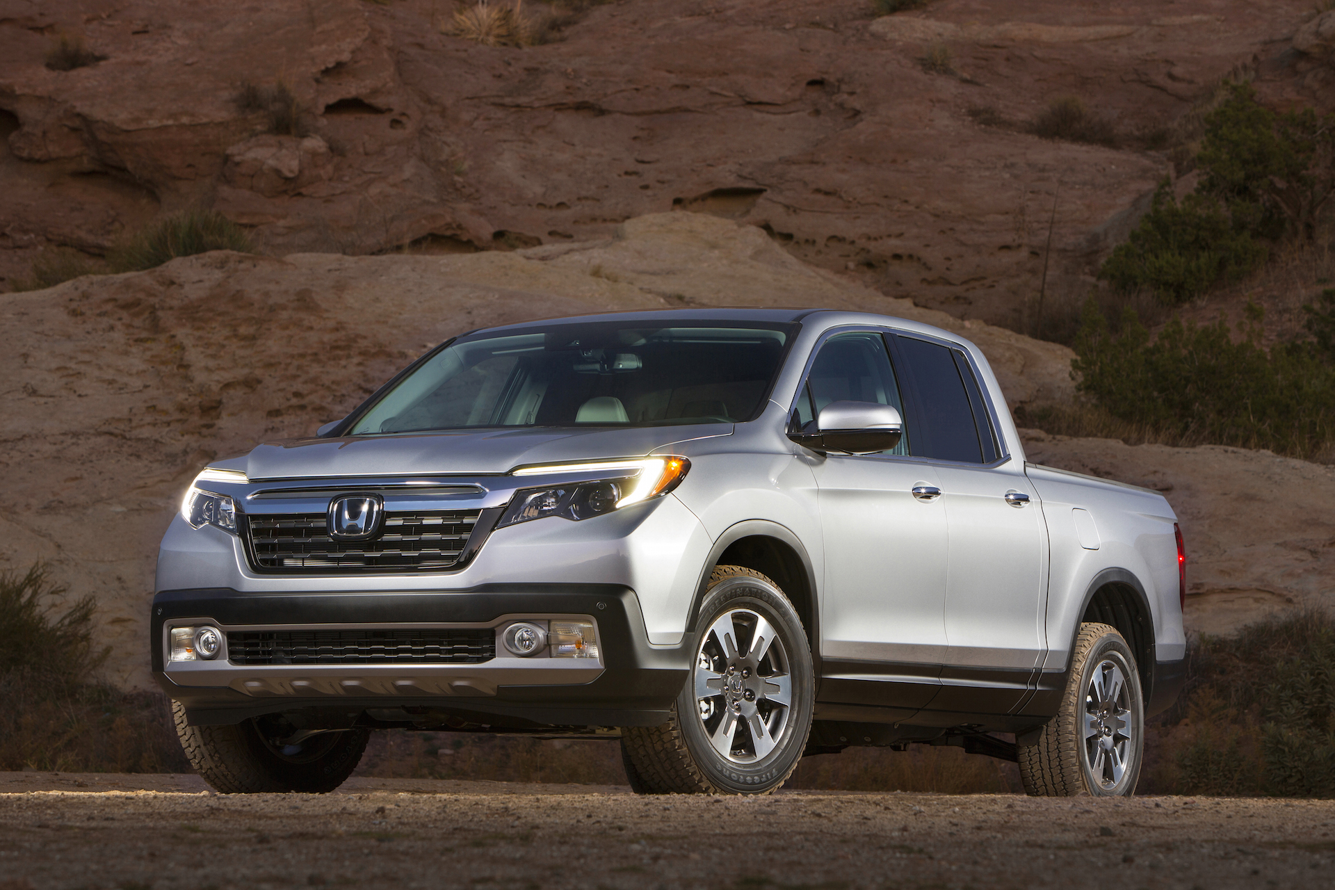 2017 honda ridgeline_100541998_h 2017 honda ridgeline recalled to fix electrical glitch 2017 Honda Ridgeline Interior at honlapkeszites.co