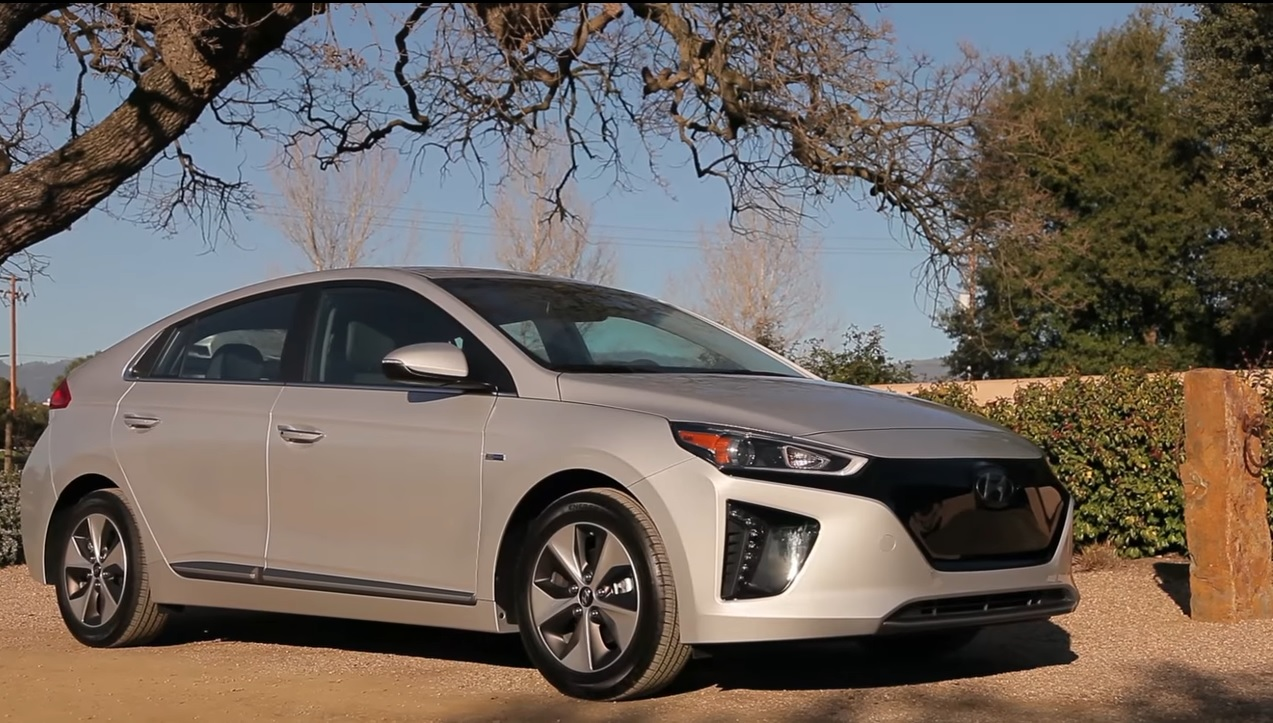 2017 hyundai ioniq electric first drive review of 124 mile electric car page 2. Black Bedroom Furniture Sets. Home Design Ideas