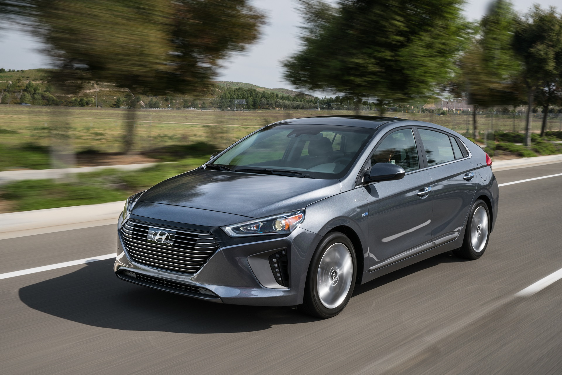 2017 Hyundai Ioniq Hybrid: first drive review