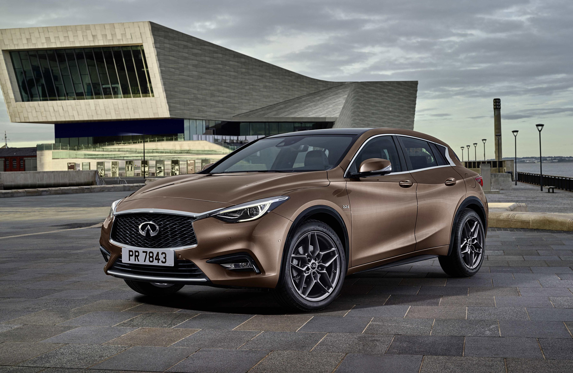 2017 Infiniti Q30 Video And Logic In Compact Hatchback For Frankfurt Show Updated
