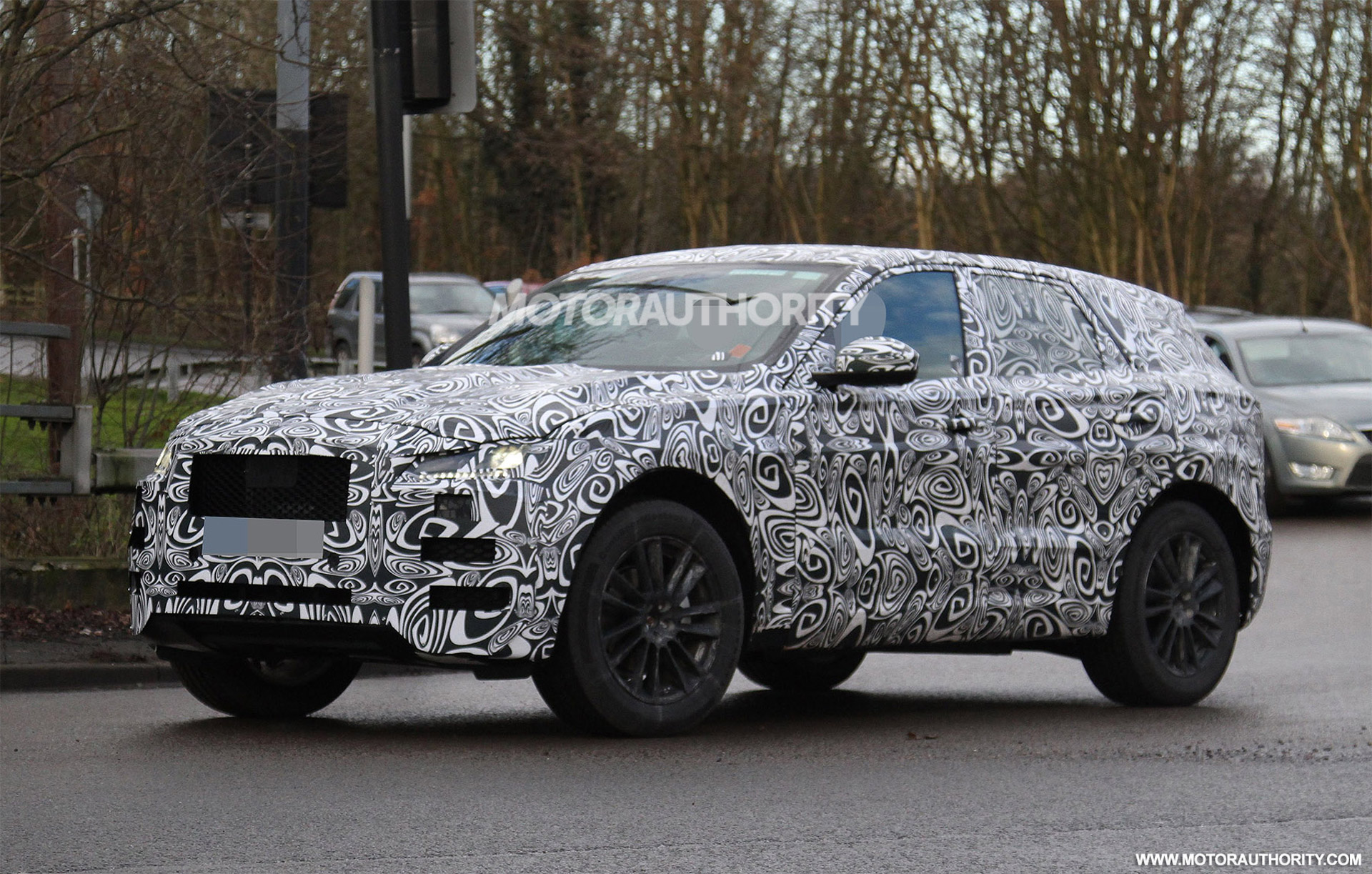 2017 Jaguar F-Pace, 2016 Discovery Sport, 2015 VW Golf GTD: This Week's Top Photos