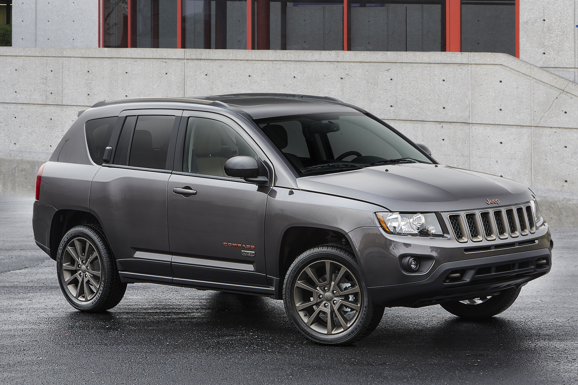 2017 jeep compass review ratings specs prices and photos the car connection. Black Bedroom Furniture Sets. Home Design Ideas