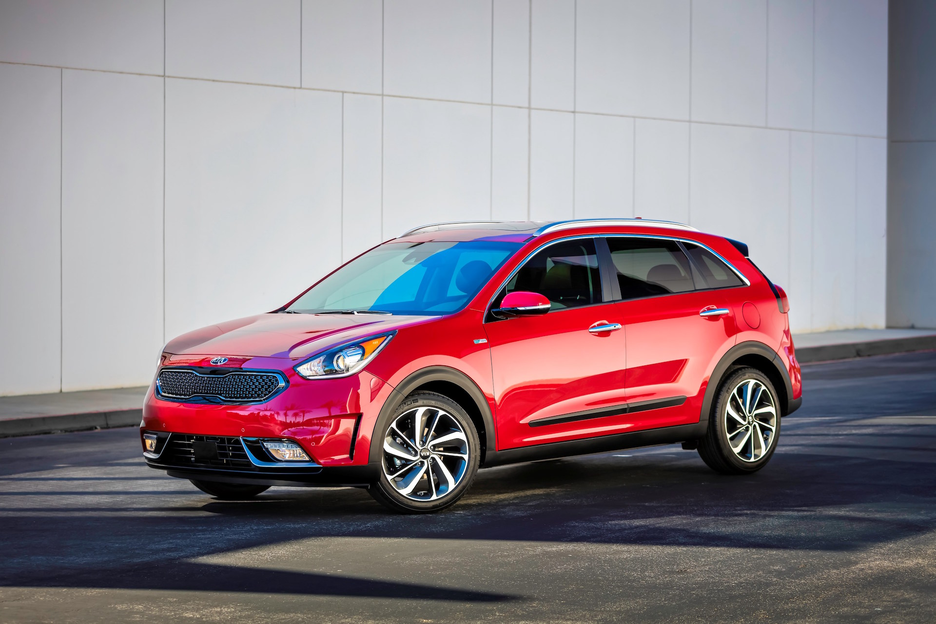 2017 kia niro hybrid suv are electric awd versions in the works. Black Bedroom Furniture Sets. Home Design Ideas