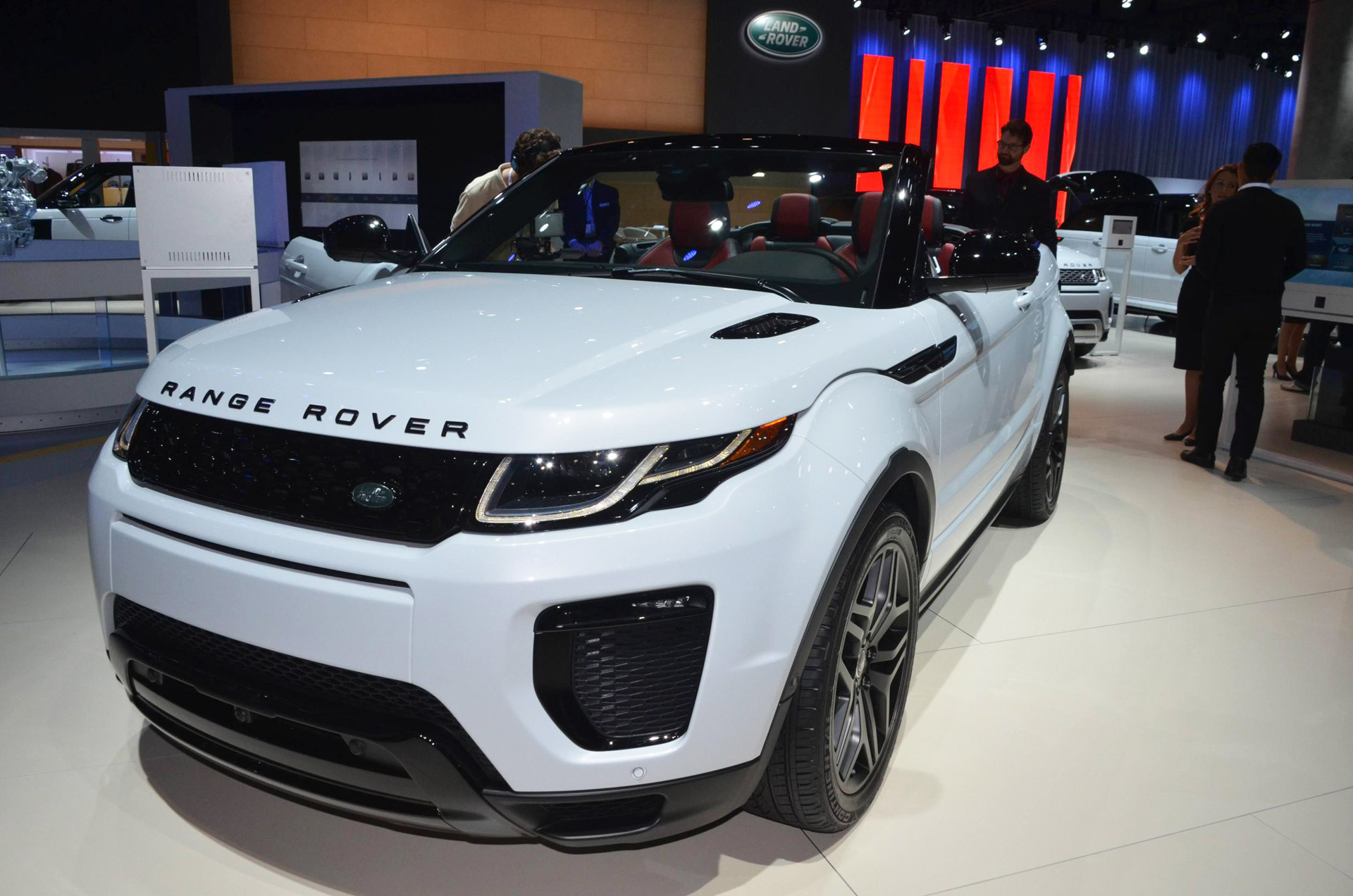 2017 land rover range rover evoque convertible video preview. Black Bedroom Furniture Sets. Home Design Ideas