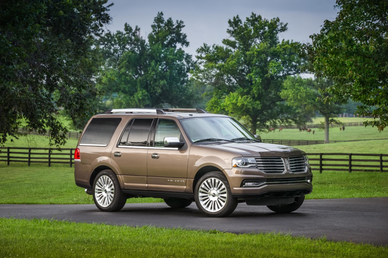2017 lincoln navigator review ratings specs prices and photos the car connection. Black Bedroom Furniture Sets. Home Design Ideas