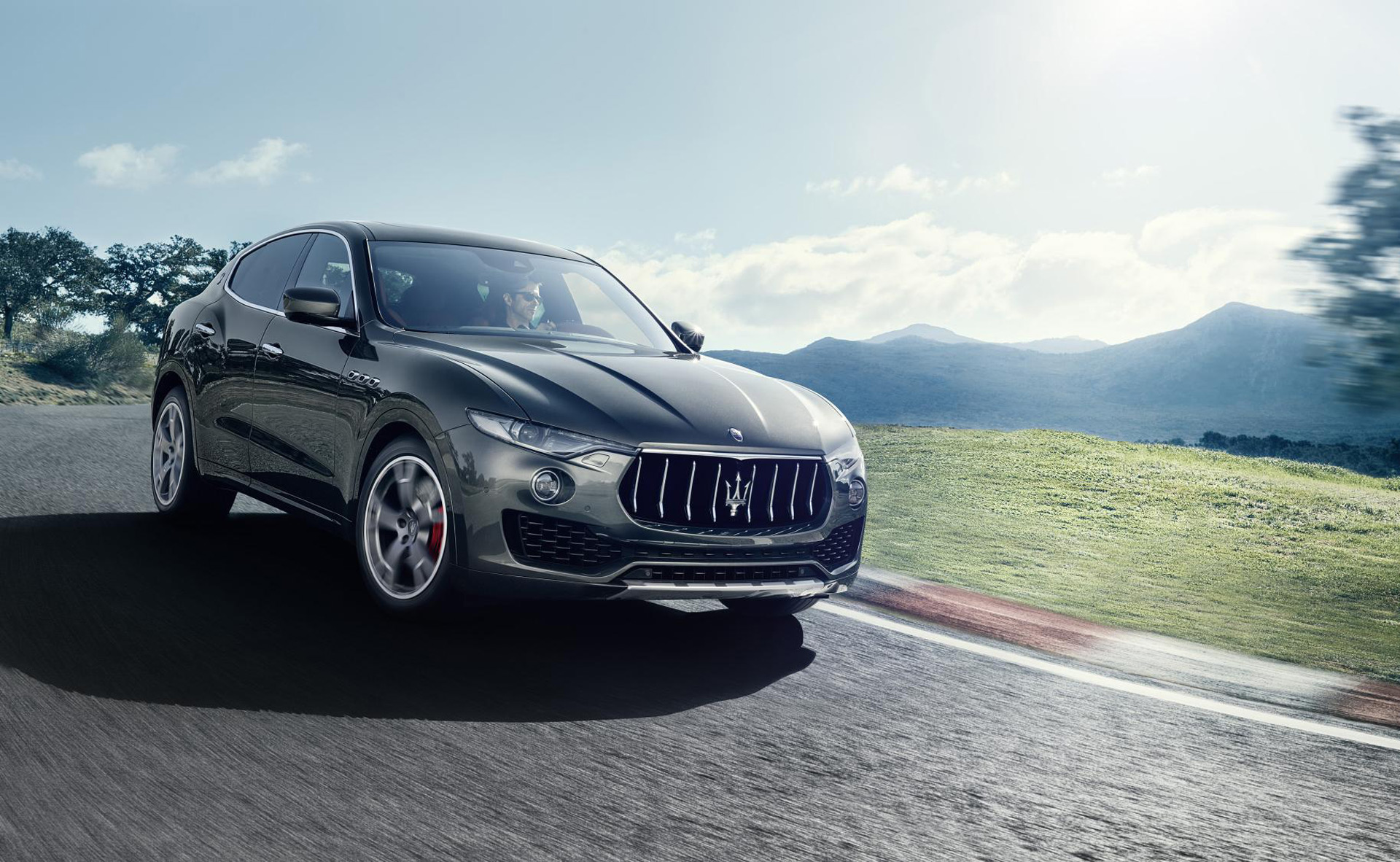Maserati Levante Suv To Get Plug In Hybrid Version Via Pacifica Minivan