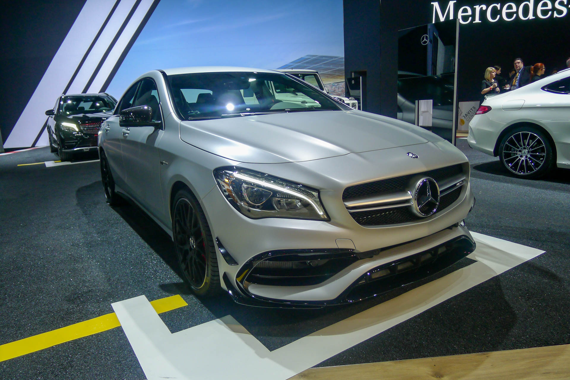 2017 mercedes benz cla gets updates inside and out live photos and video. Black Bedroom Furniture Sets. Home Design Ideas
