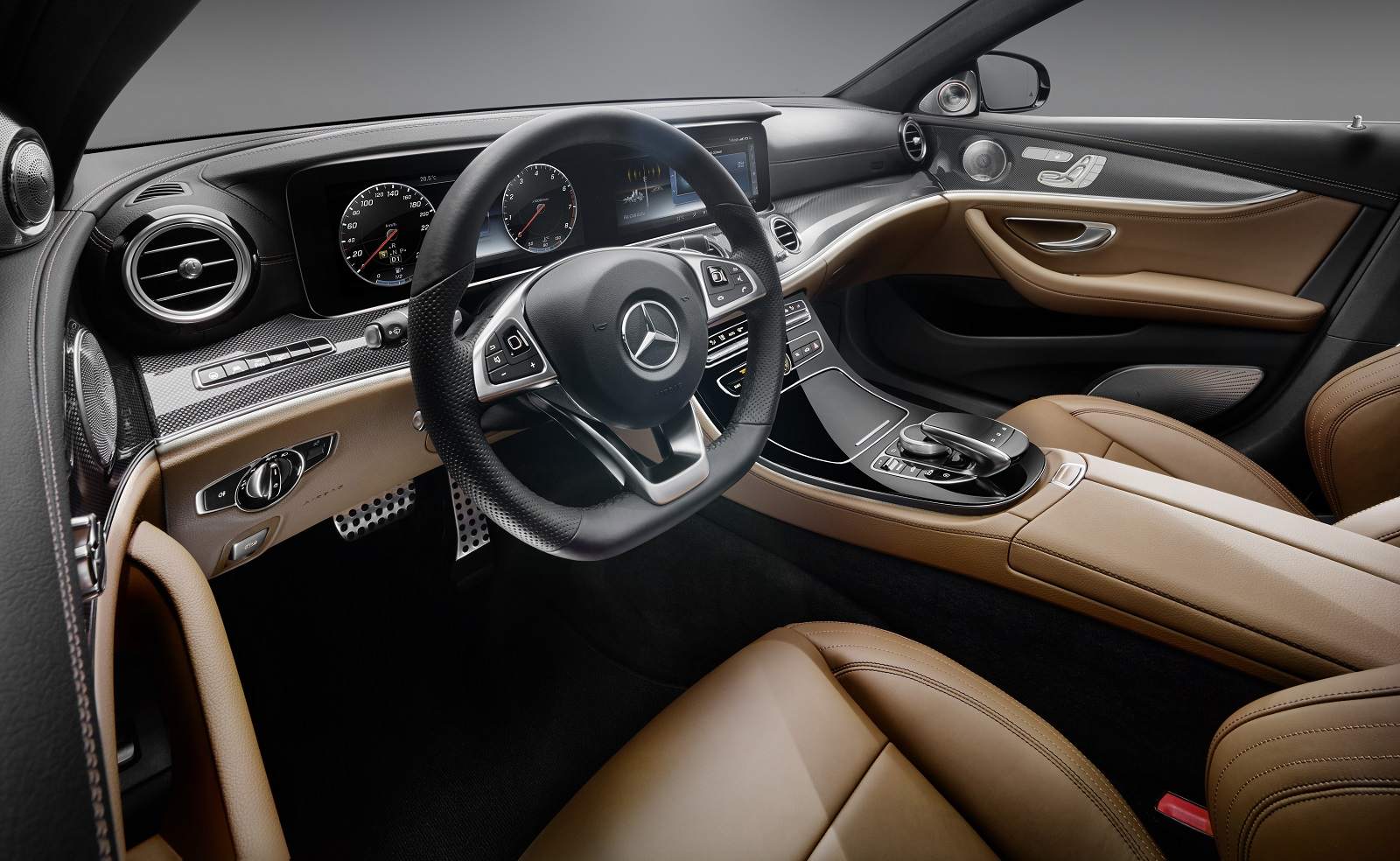2017 mercedes benz e class interior revealed all glass dash display video. Black Bedroom Furniture Sets. Home Design Ideas