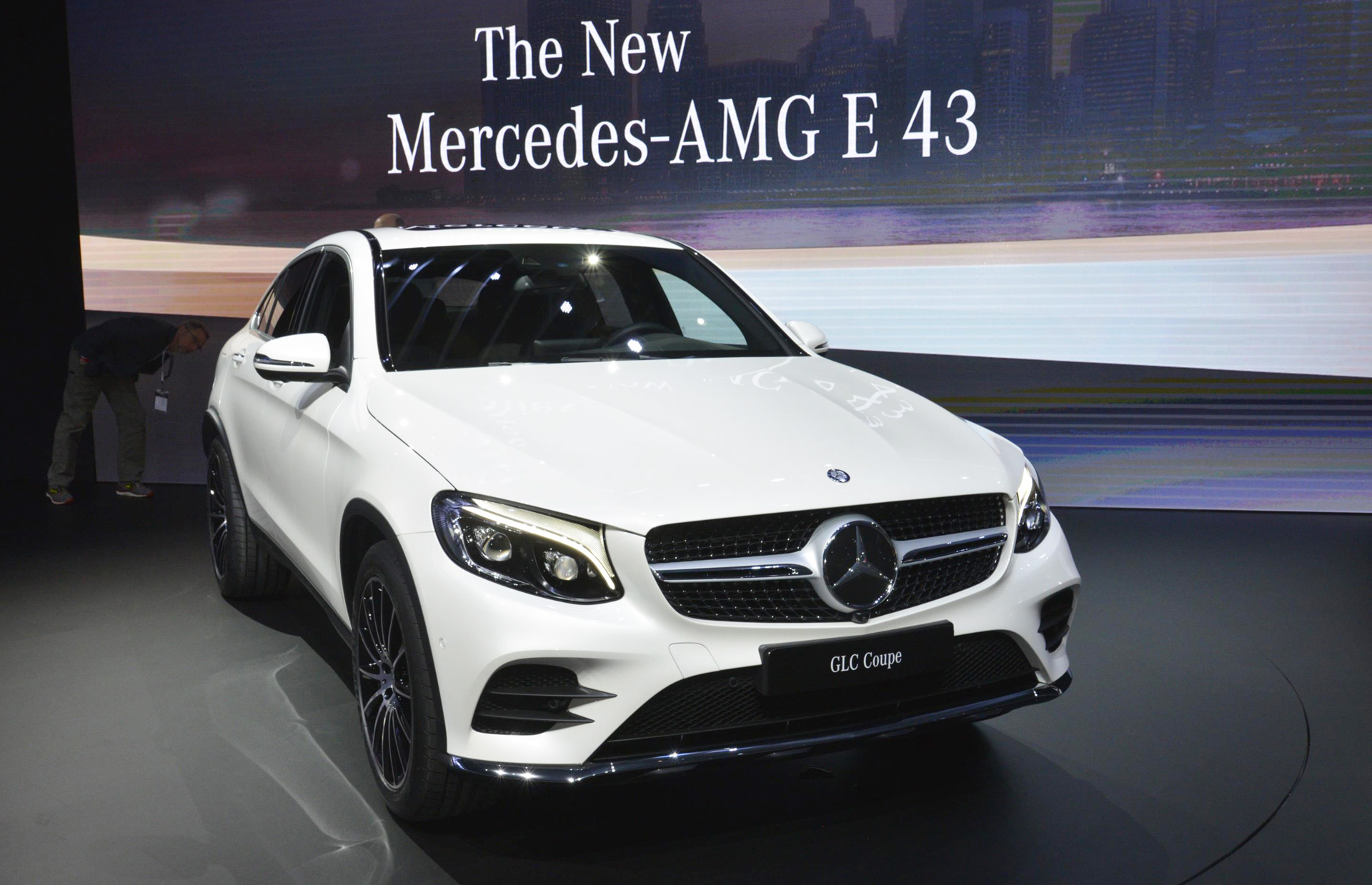 2017 mercedes benz glc coupe revealed live photos and video for Mercedes benz car show