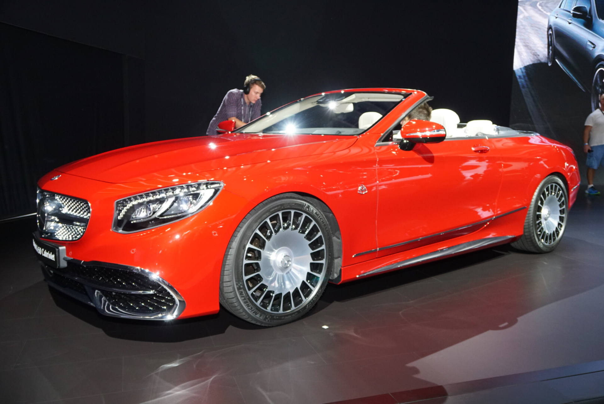 Mercedes maybach s650 cabriolet worthy of the maybach for Mercedes benz 650