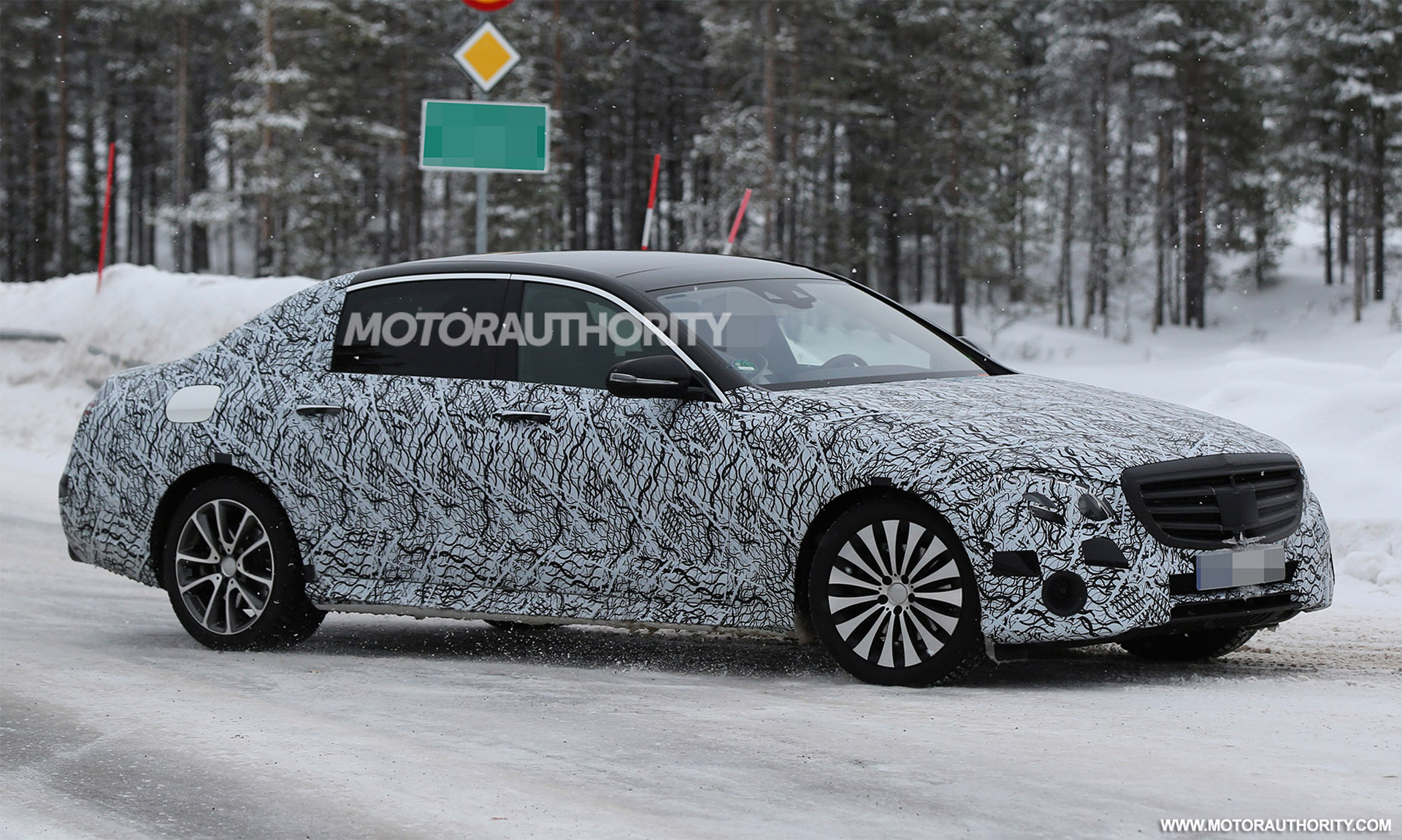 2017 Mercedes Maybach E Class Spy Shots