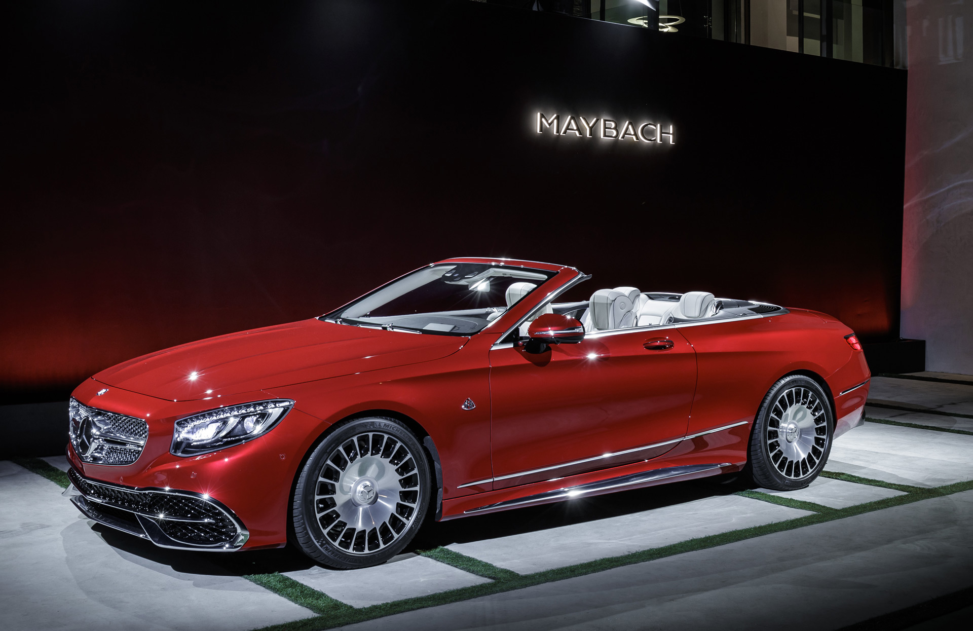 mercedes maybach s650 cabriolet debuts at 2016 la auto show. Black Bedroom Furniture Sets. Home Design Ideas