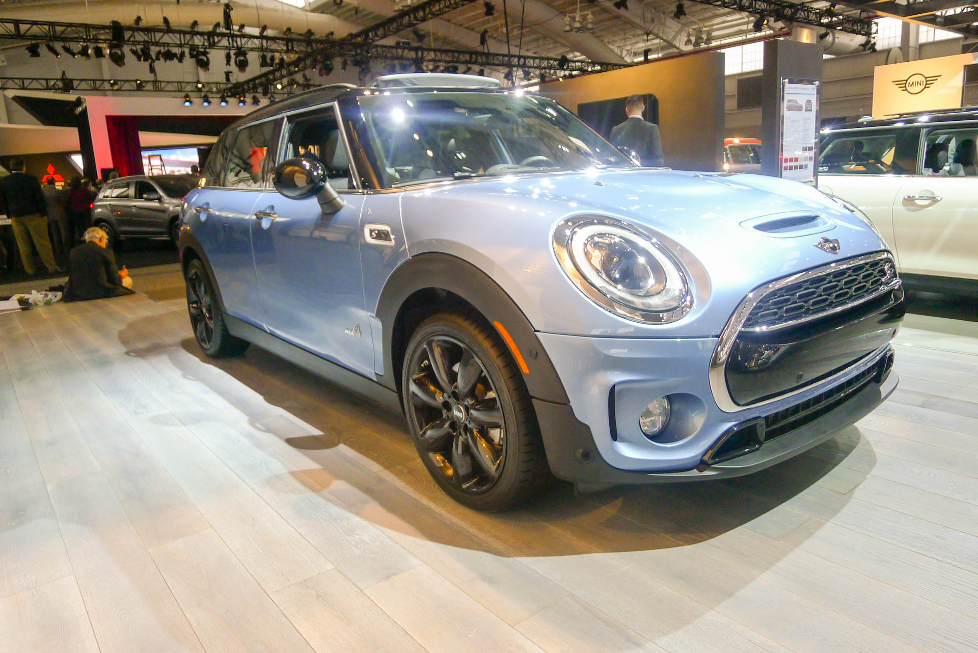 mini adds all4 all wheel drive to new clubman live photos. Black Bedroom Furniture Sets. Home Design Ideas