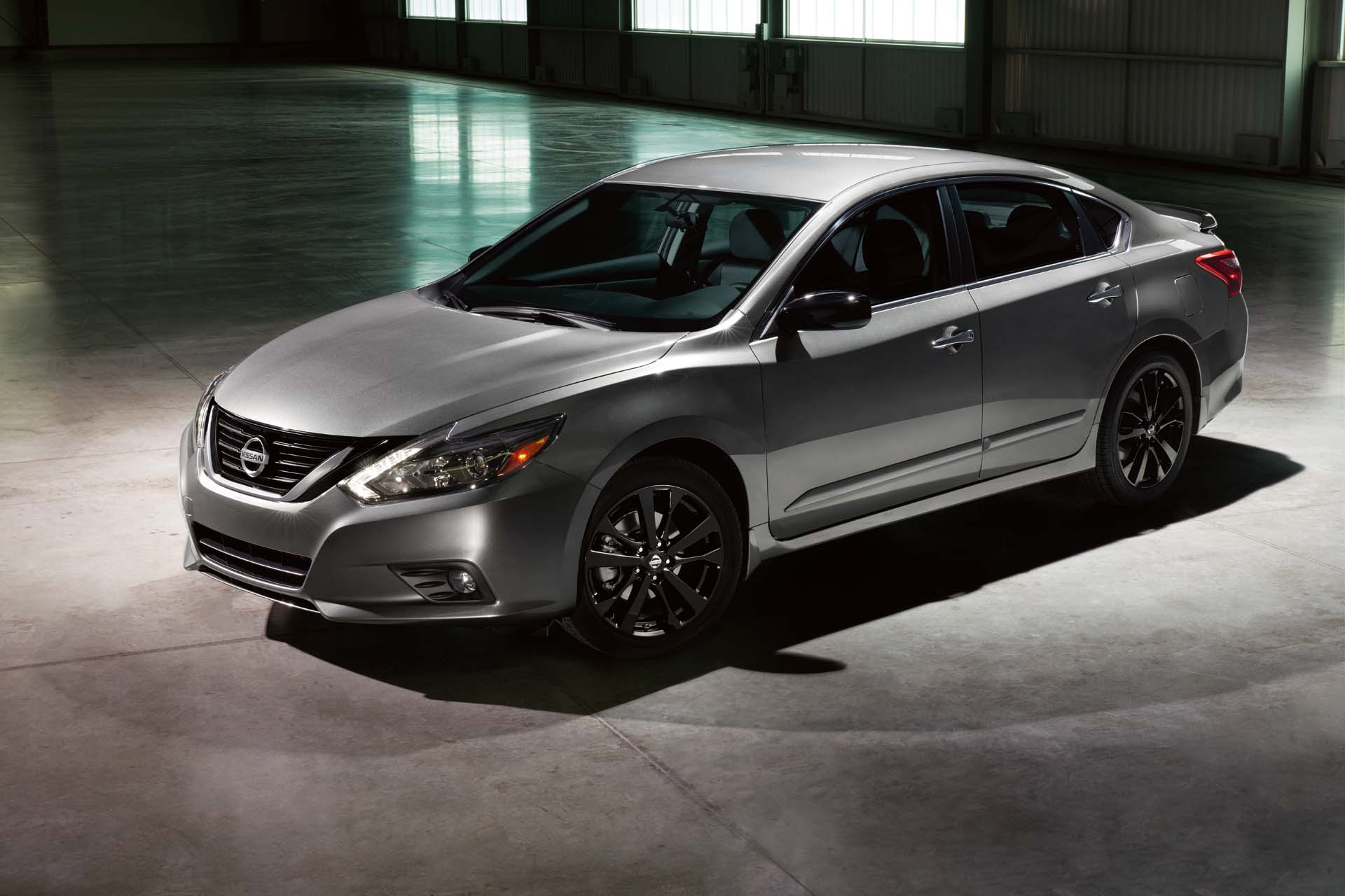 2017 Nissan Altima Sv >> Nissan gives 6 popular models the Midnight Edition treatment