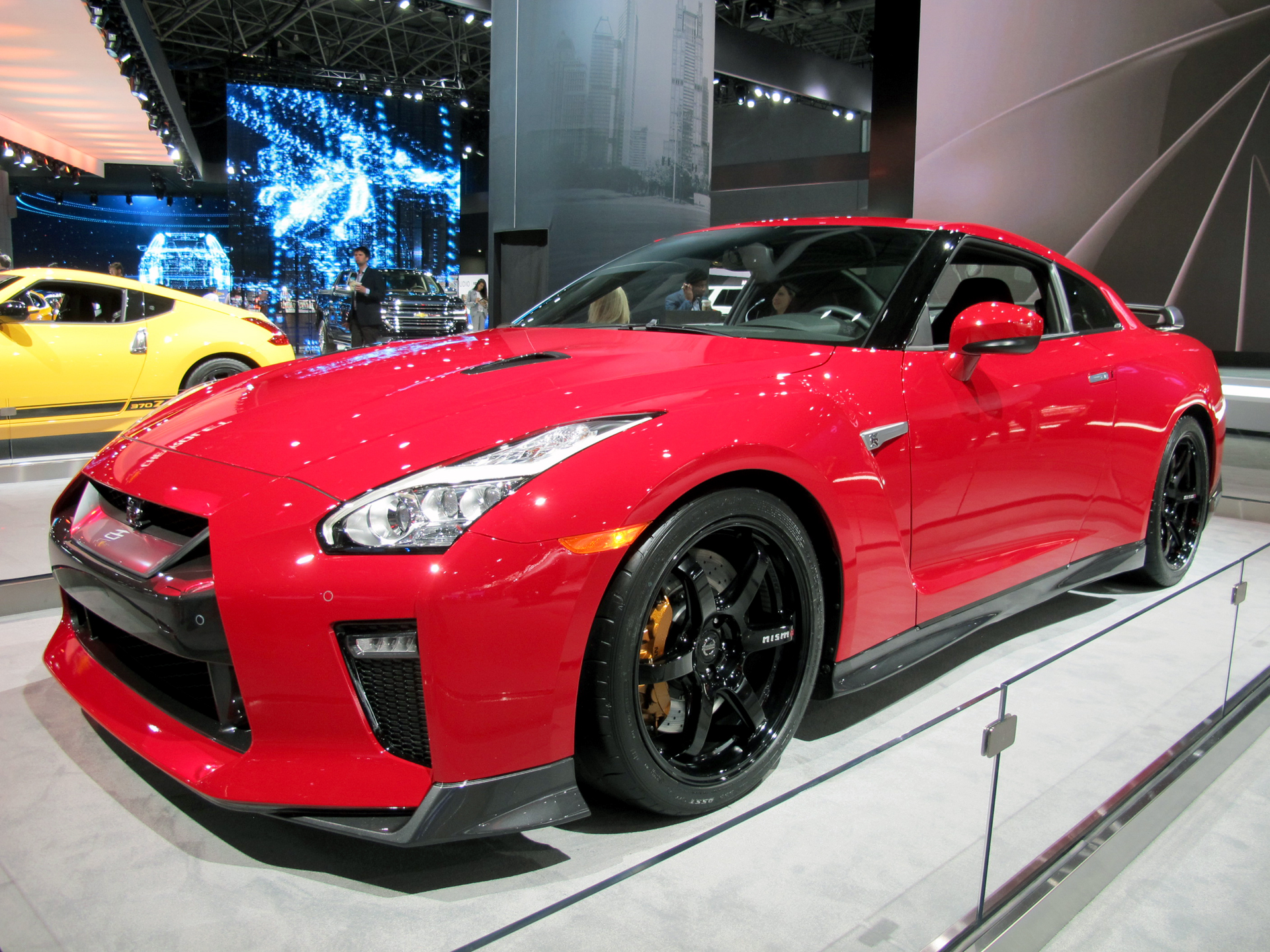 2017 Nissan Gt R Track Edition Debuts In Big Apple