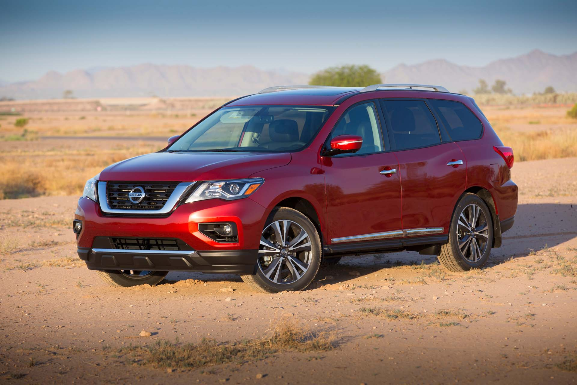 2017 Nissan Pathfinder Towing Capacity >> 2017 Nissan Pathfinder Review Ratings Specs Prices And