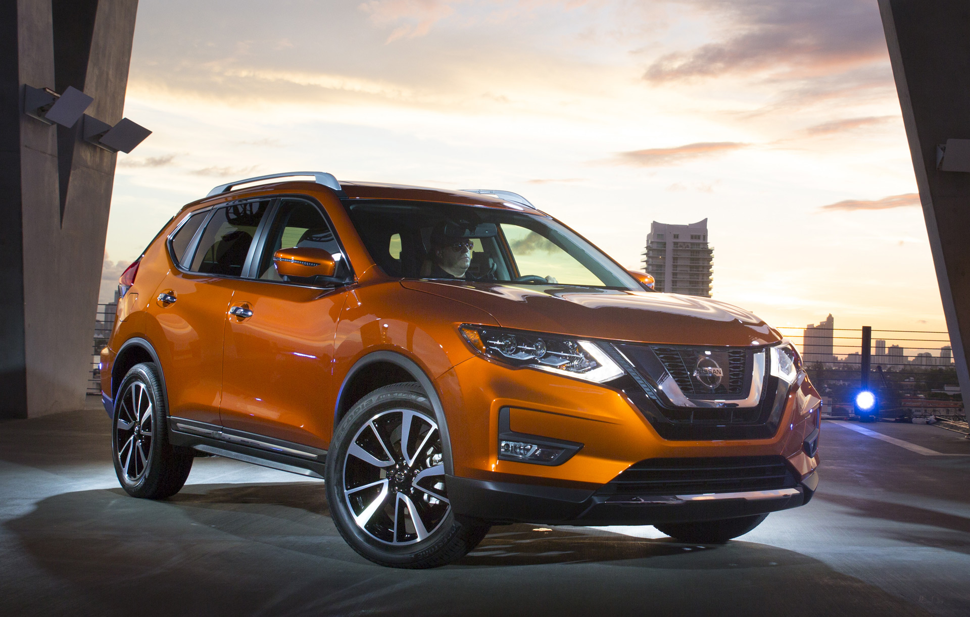 2017 nissan rogue gets hybrid option. Black Bedroom Furniture Sets. Home Design Ideas