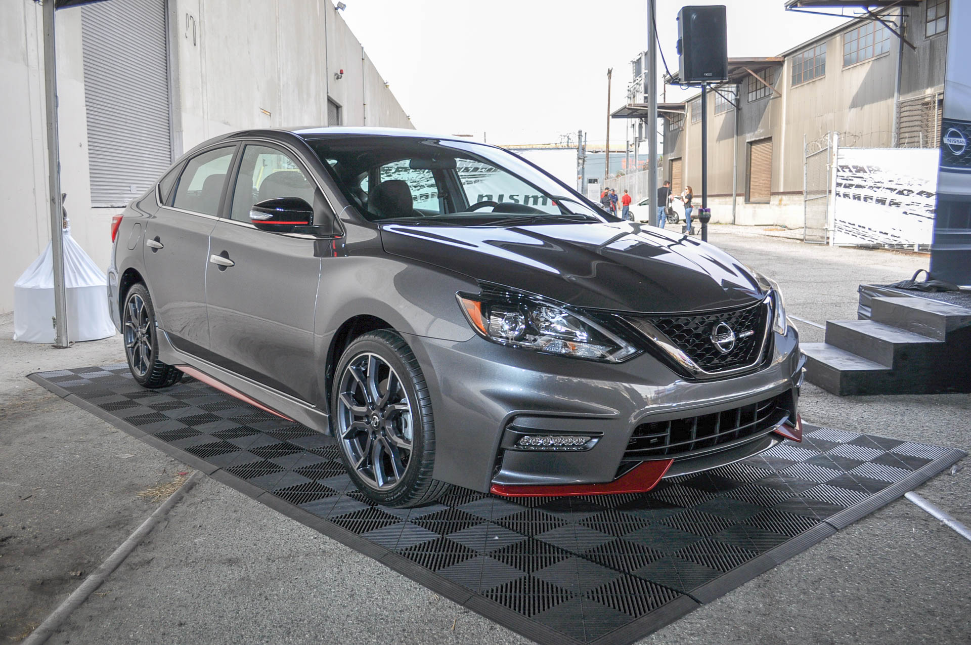 2019 Nissan Sentra >> 2017 Nissan Sentra Nismo revealed at 2016 LA auto show