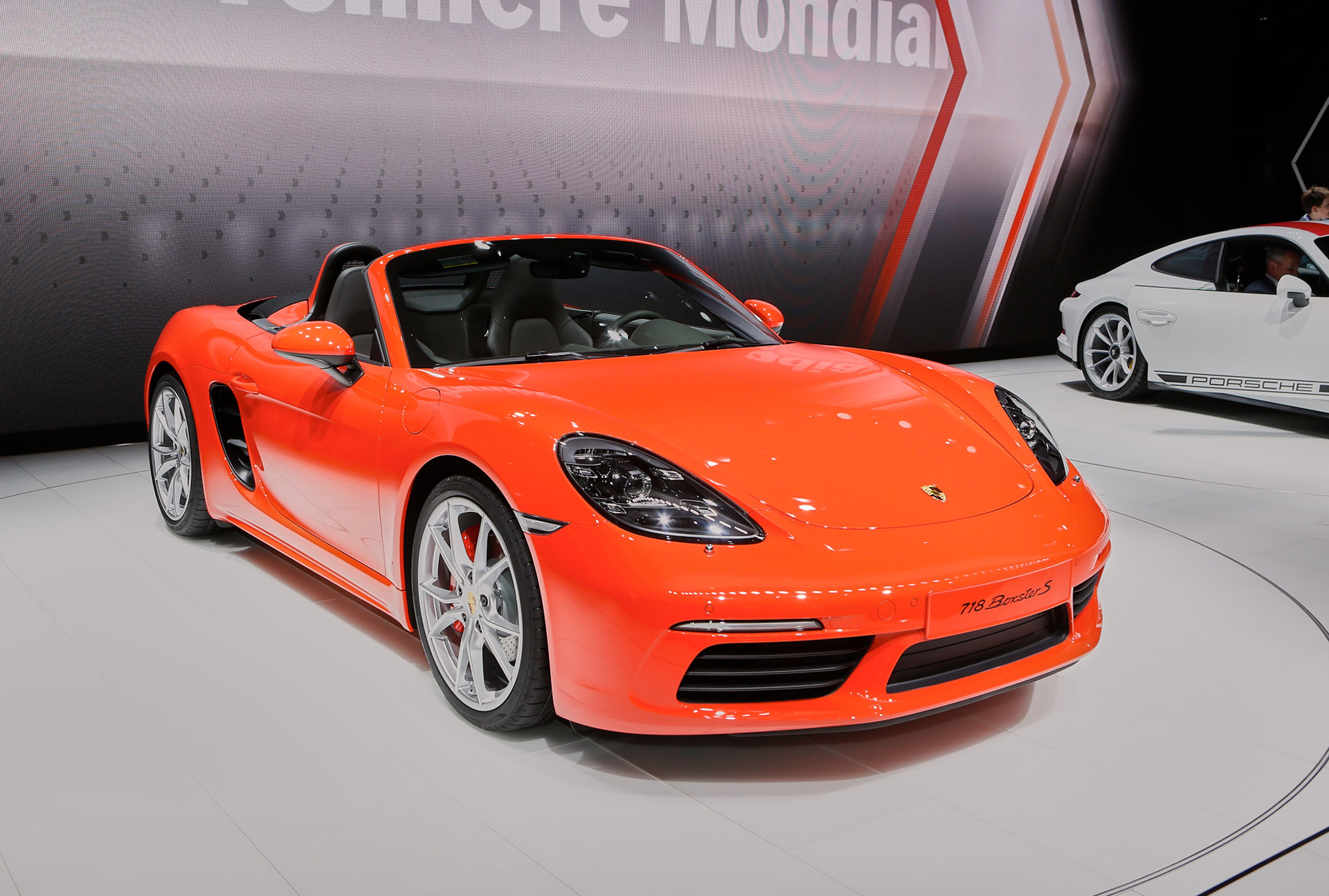 2017 Porsche 718 Boxster debuts with turbocharged inline-4