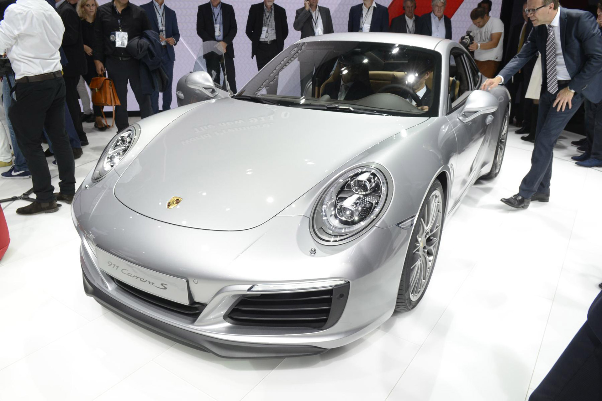2017 porsche 911 carrera revealed with turbocharged engine. Black Bedroom Furniture Sets. Home Design Ideas