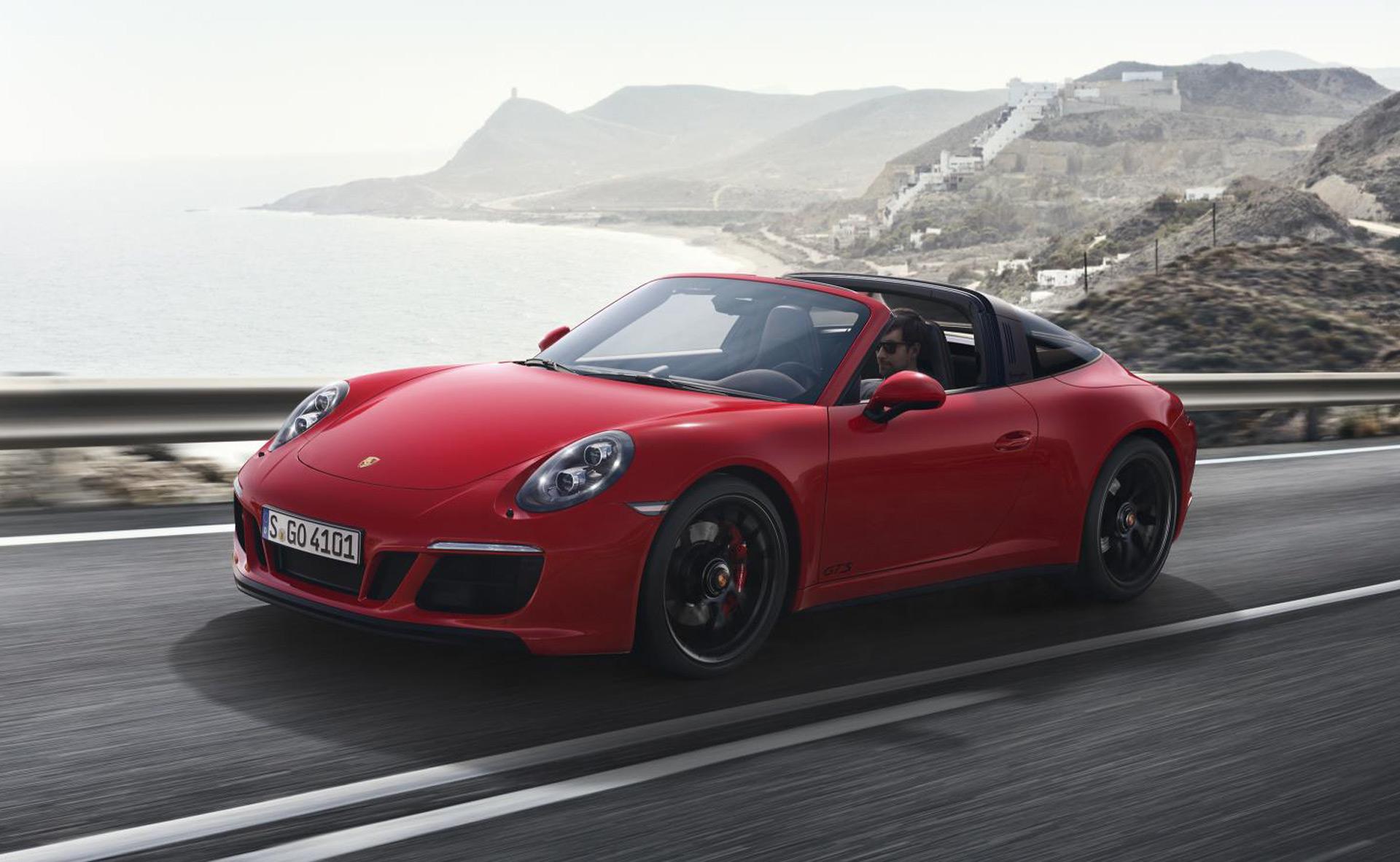 2017 porsche 911 gts range unveiled includes new targa variant