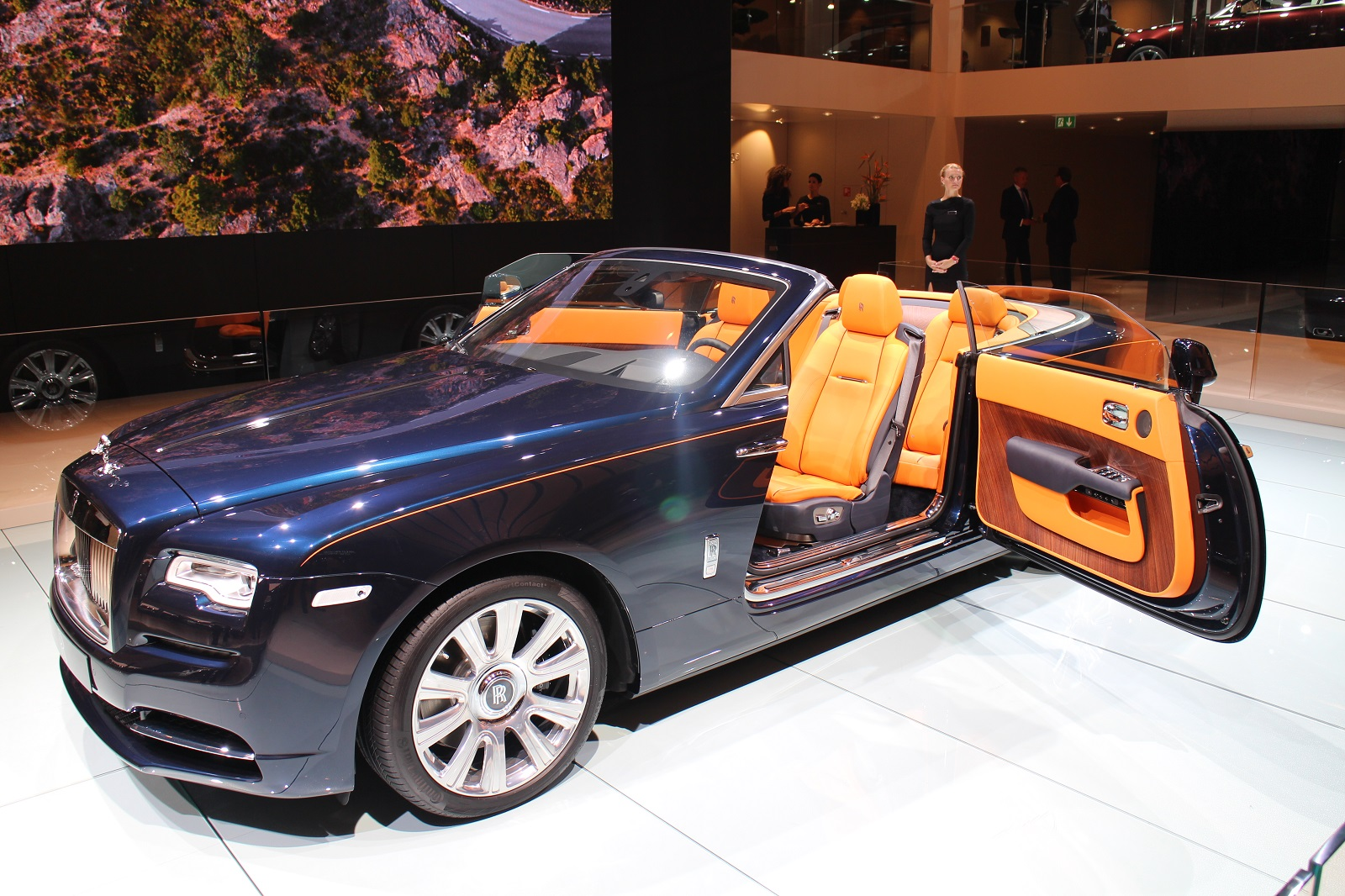 2017 Rolls Royce Dawn Preview Video