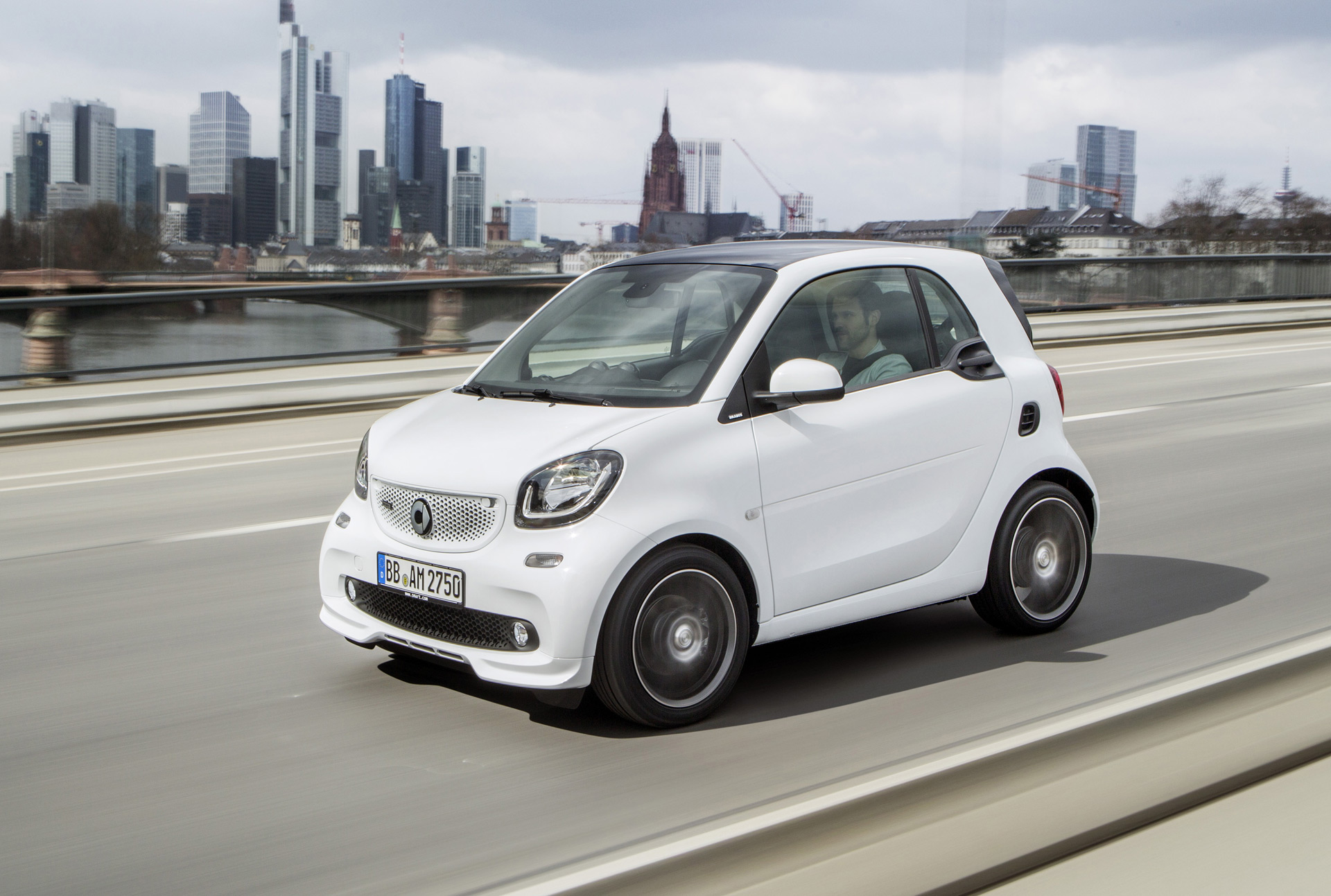 Populaire Smart ForTwo gets more power thanks to Brabus OL52
