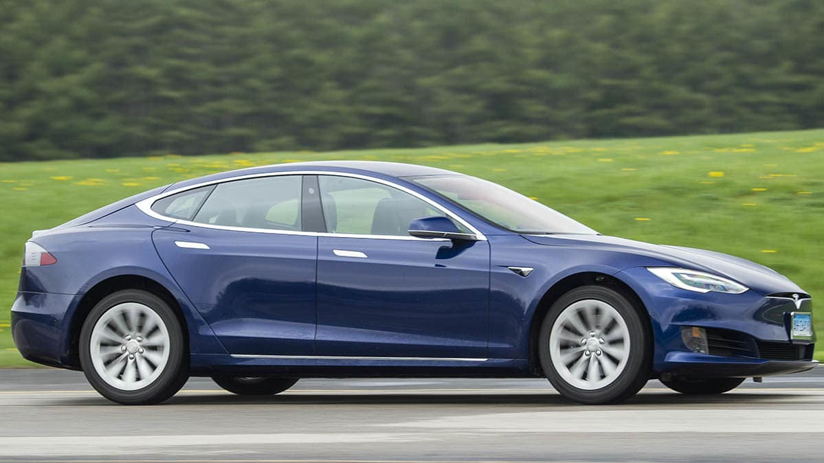 Tesla to release new self-driving chip to older cars late this year