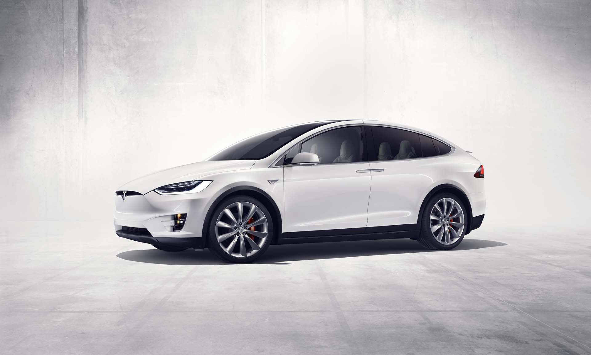 Oil-rich Dubai adds a fleet of Uber Tesla electric cars