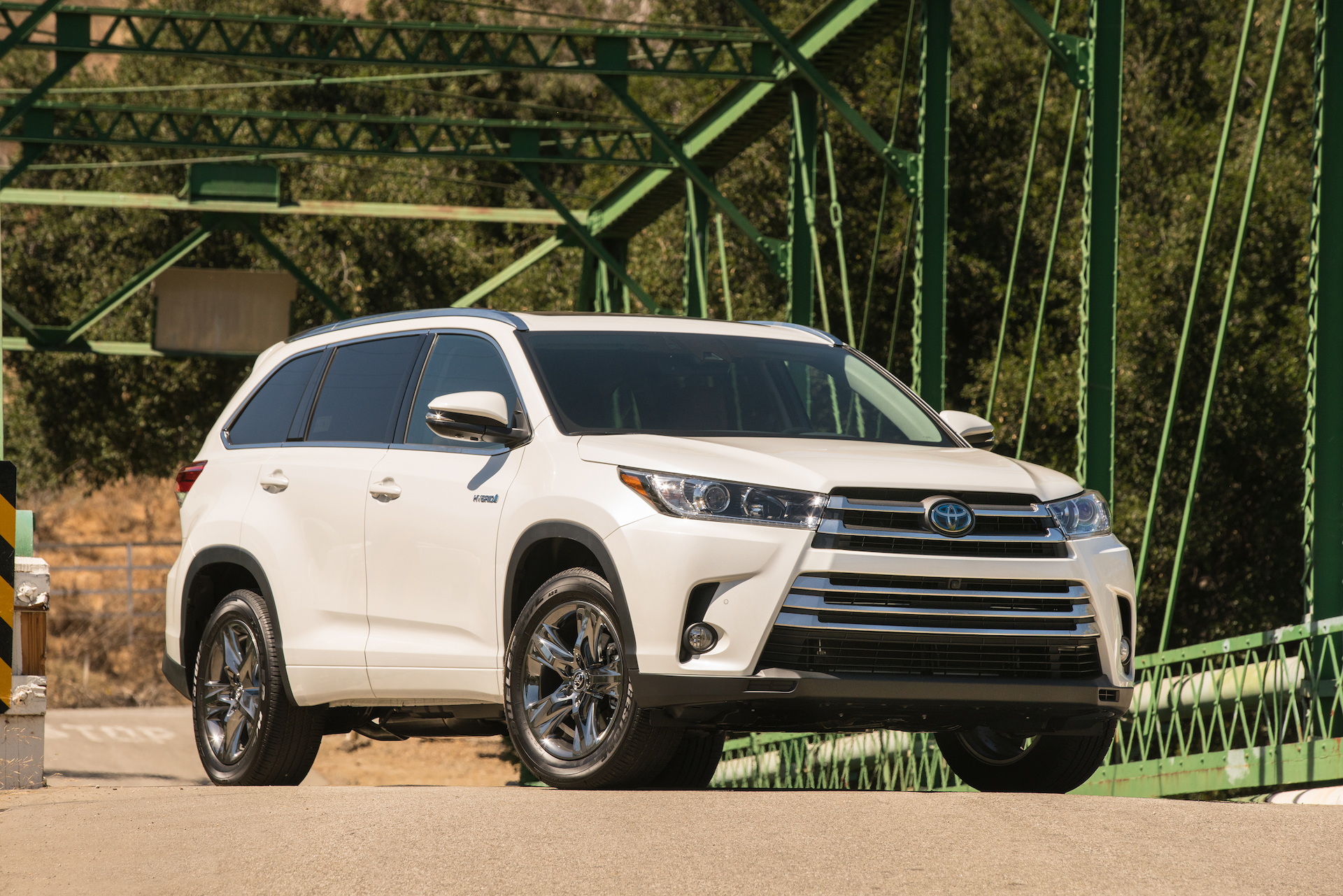 2017 Toyota Highlander Towing Capacity >> 2017 Toyota Highlander Review Ratings Specs Prices And