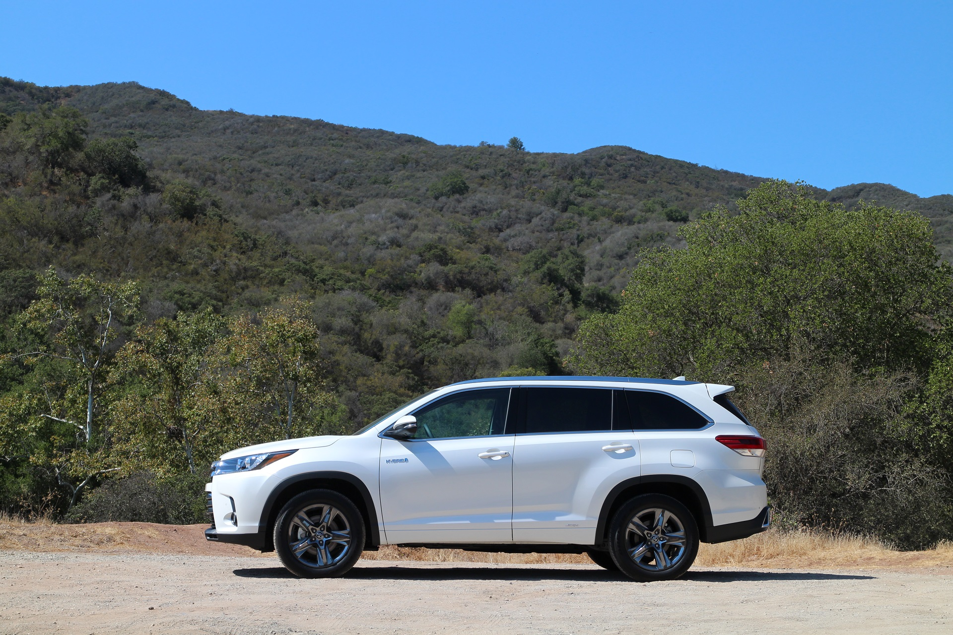 2017 Toyota Highlander Hybrid Brief Drive Of Updated