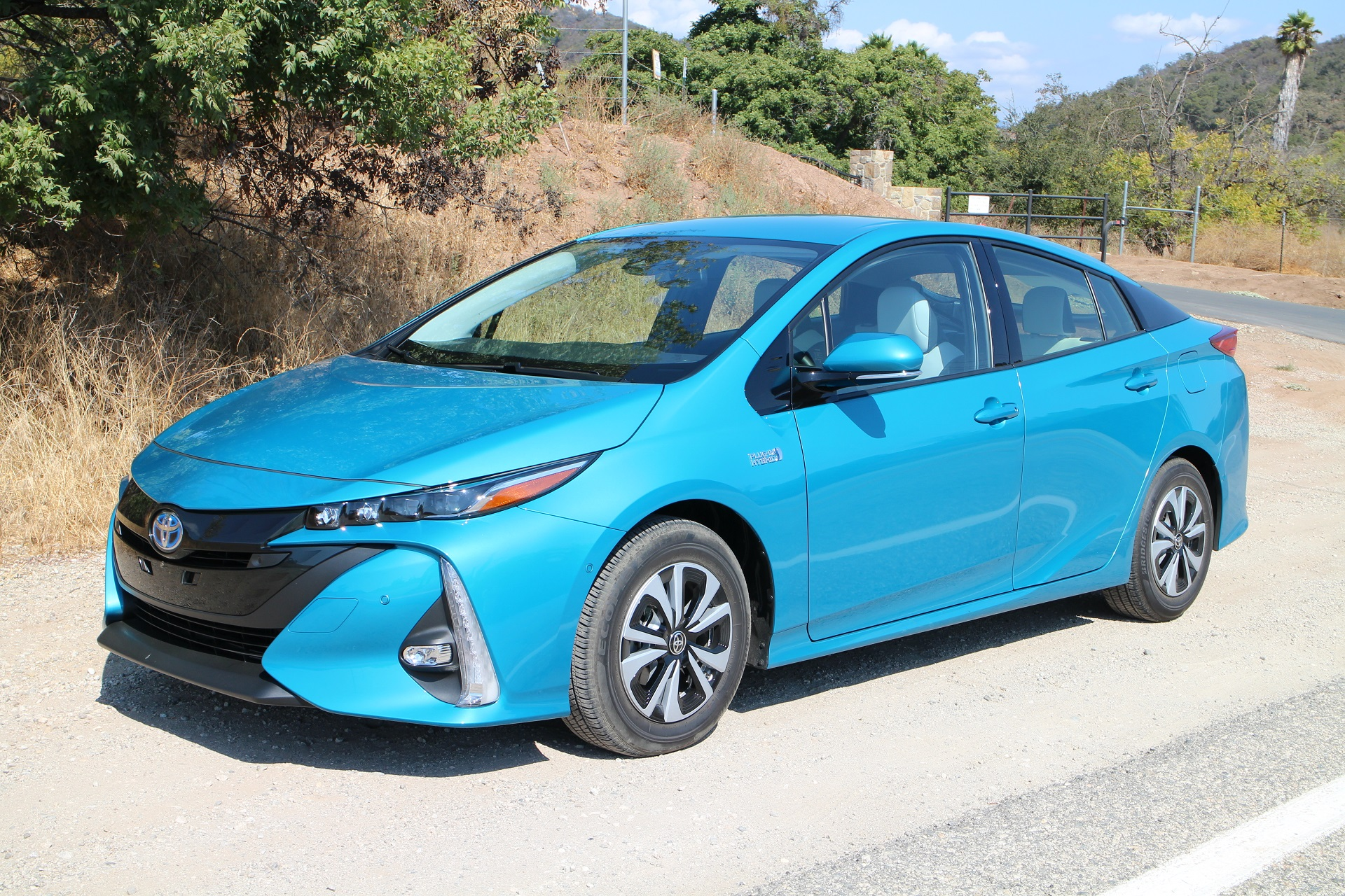 2017 toyota prius prime first drive of new plug in hybrid page 2. Black Bedroom Furniture Sets. Home Design Ideas
