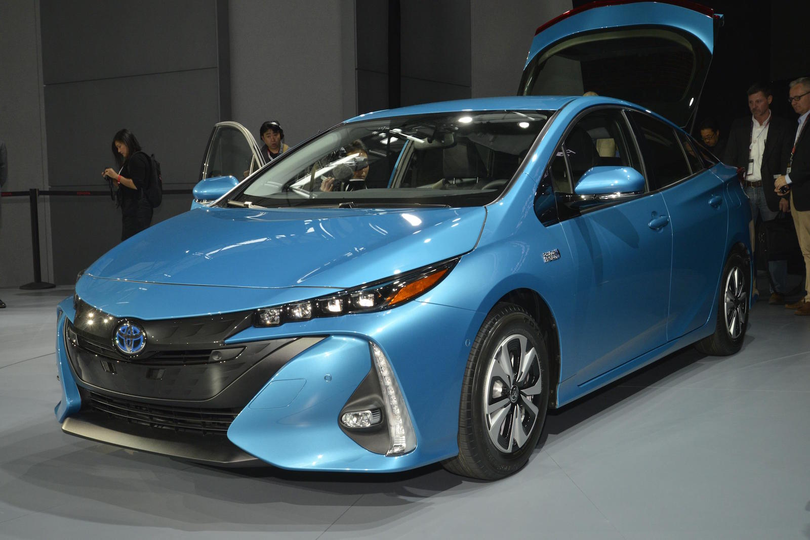 2017 Toyota Prius Prime Plug In Hybrid Preview