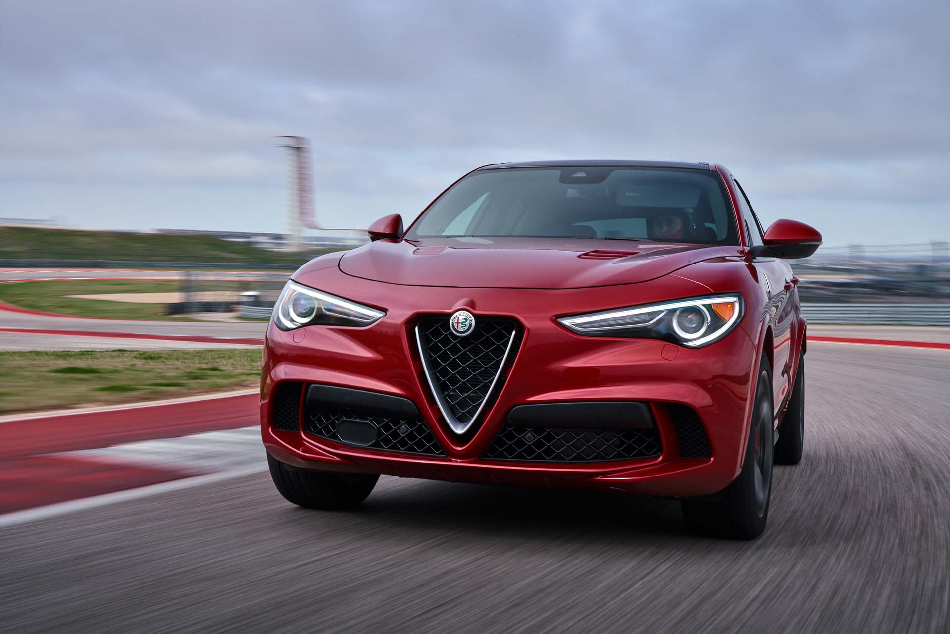 2018 alfa romeo stelvio quadrifoglio first drive review ultimate performance incomplete luxury. Black Bedroom Furniture Sets. Home Design Ideas