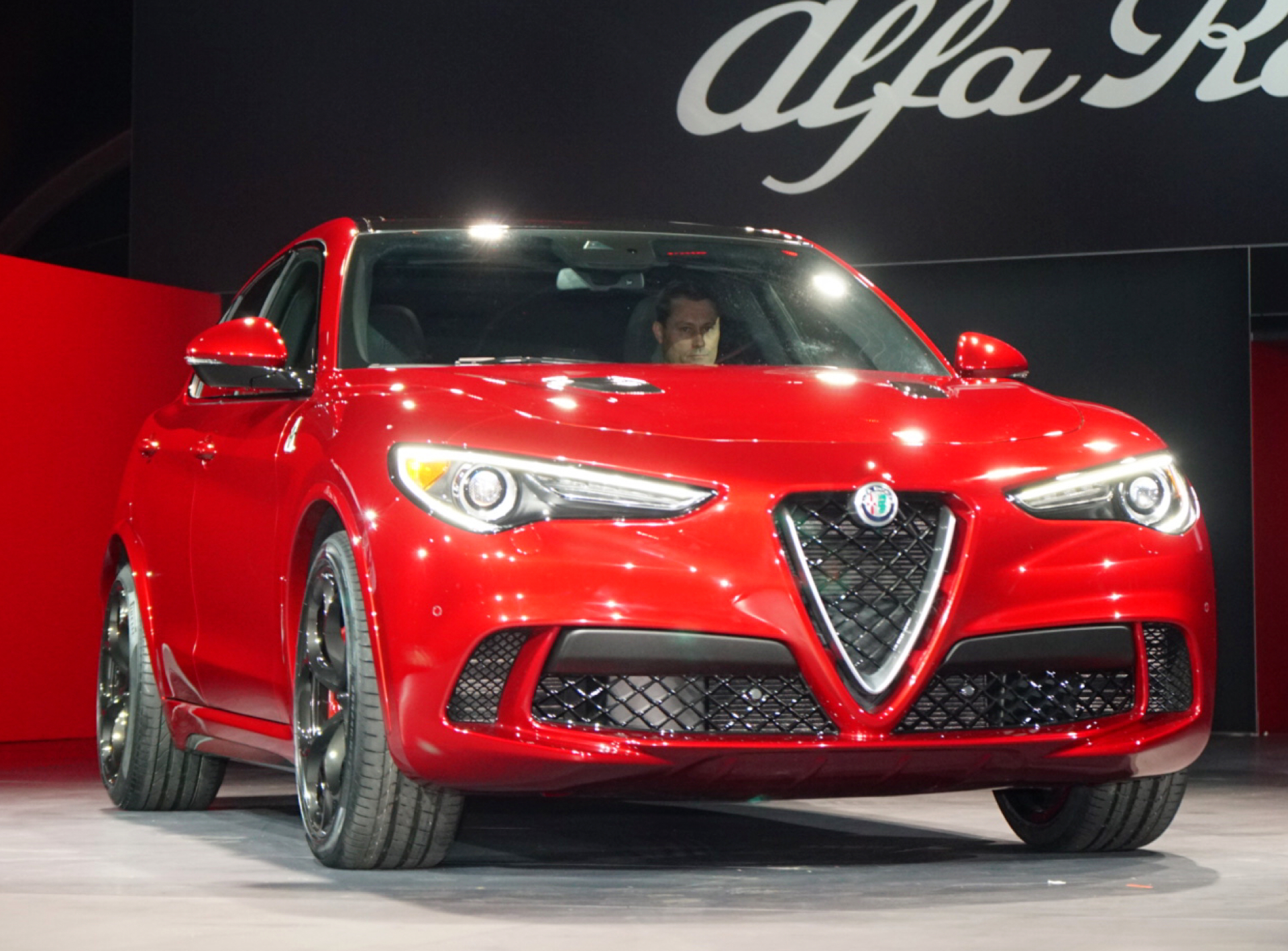 alfa romeo stelvio suv finally  debut