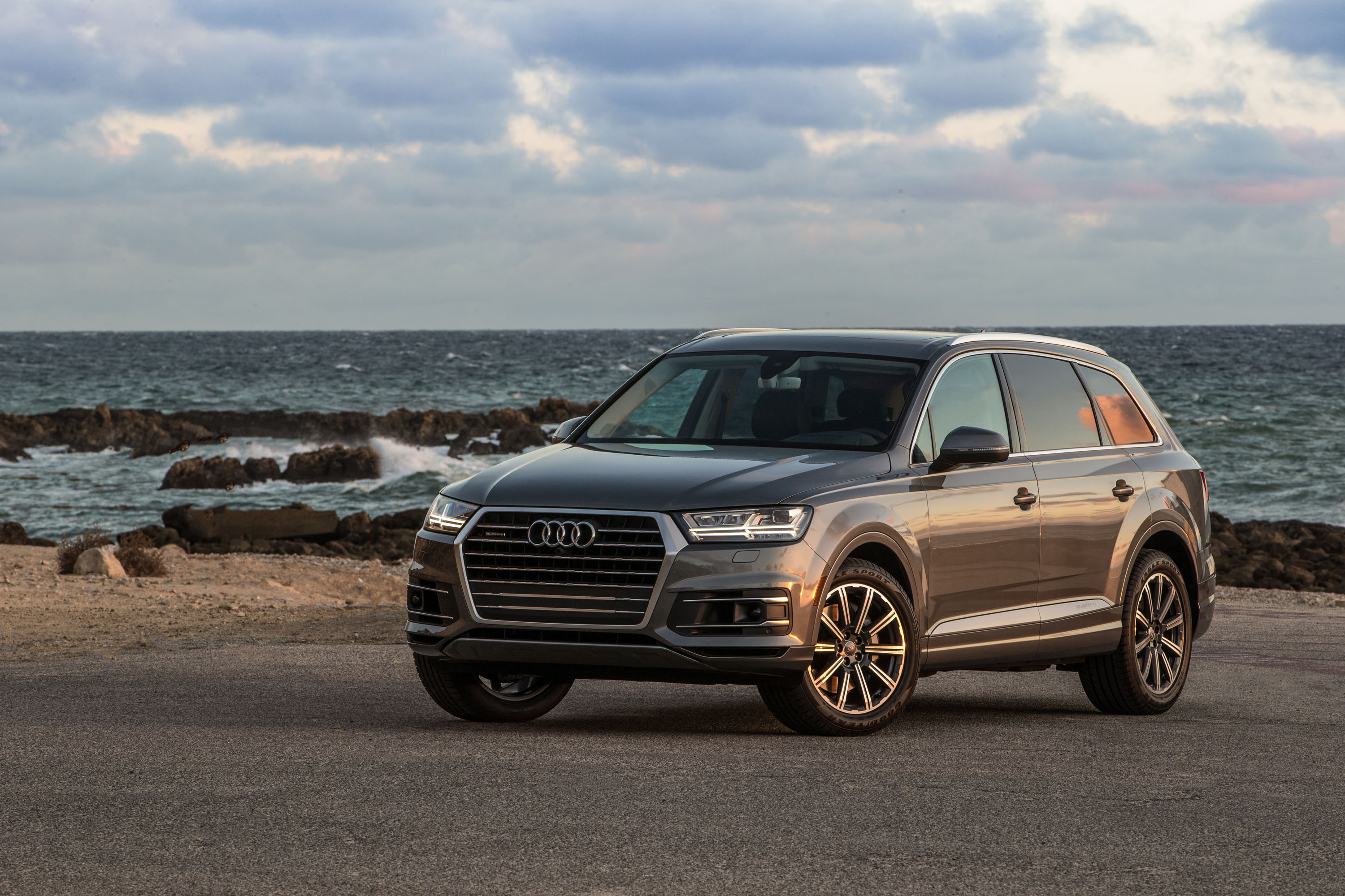 Audi Q Premium Plus First Drive Review - 2018 audi q7