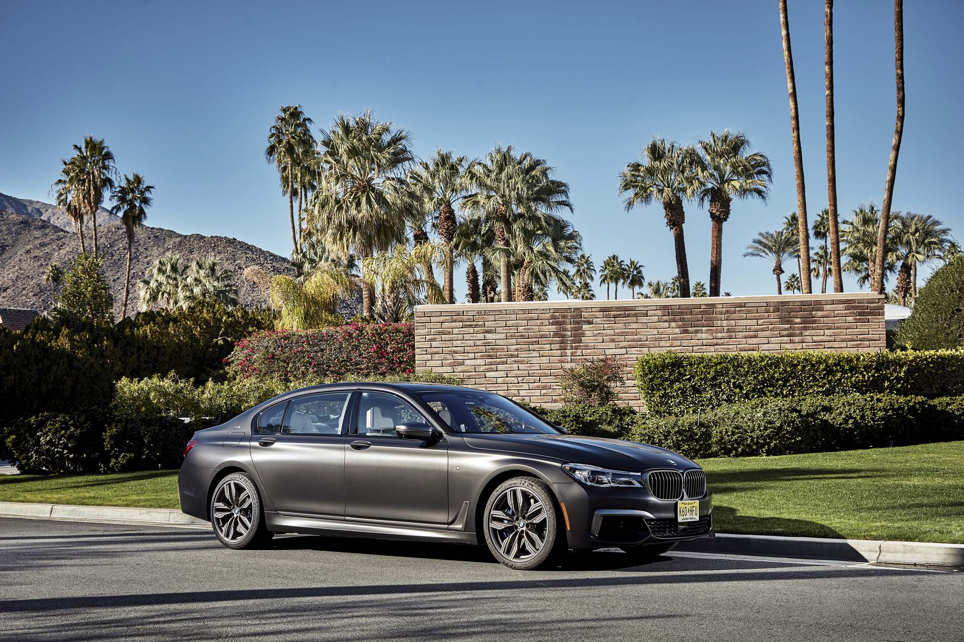new and used bmw 7 series prices photos reviews specs the car connection. Black Bedroom Furniture Sets. Home Design Ideas