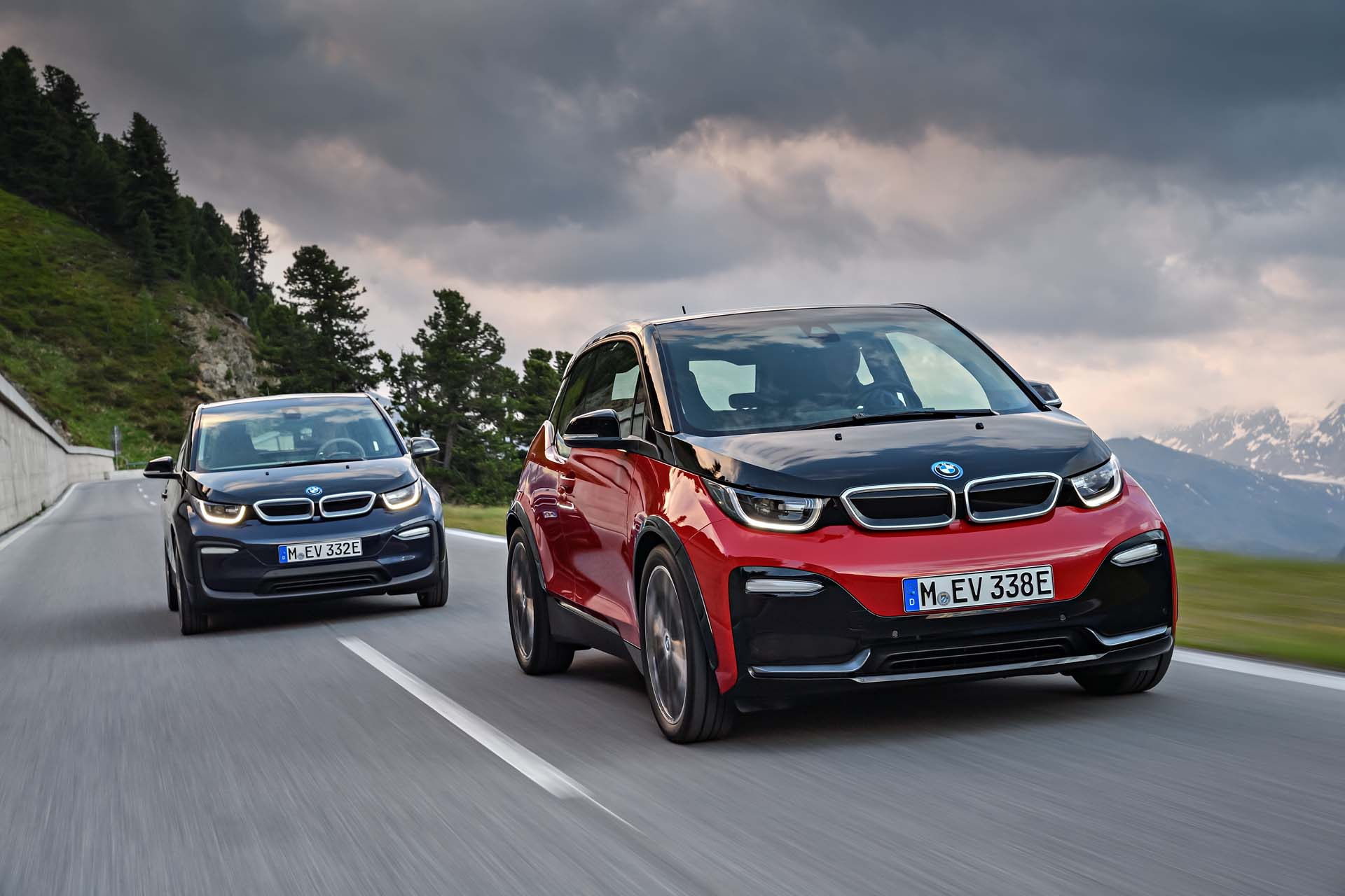2018 bmw i3 electric car range adds sportier i3s version. Black Bedroom Furniture Sets. Home Design Ideas