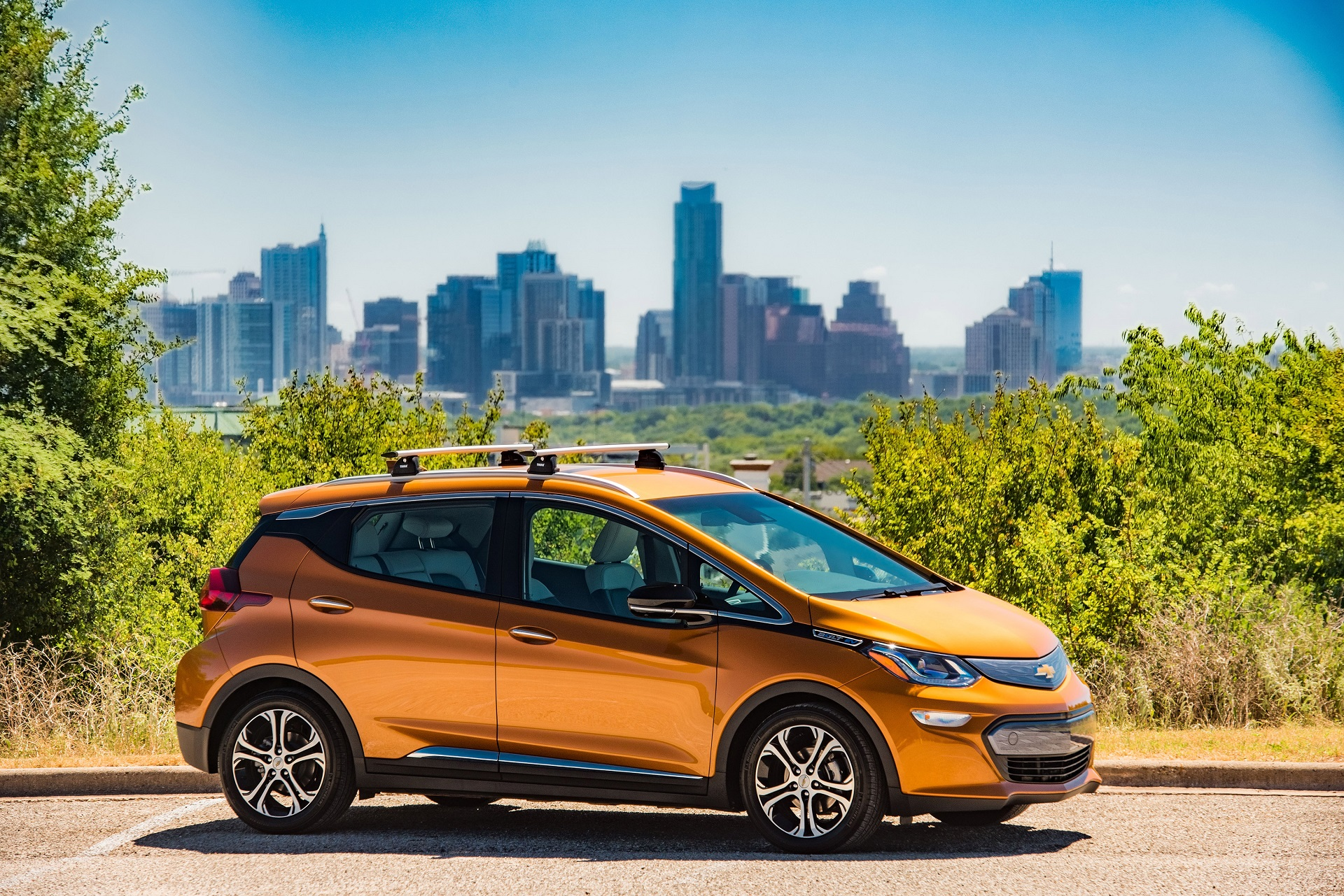 2018 chevrolet bolt ev minimal changes same range and price. Black Bedroom Furniture Sets. Home Design Ideas