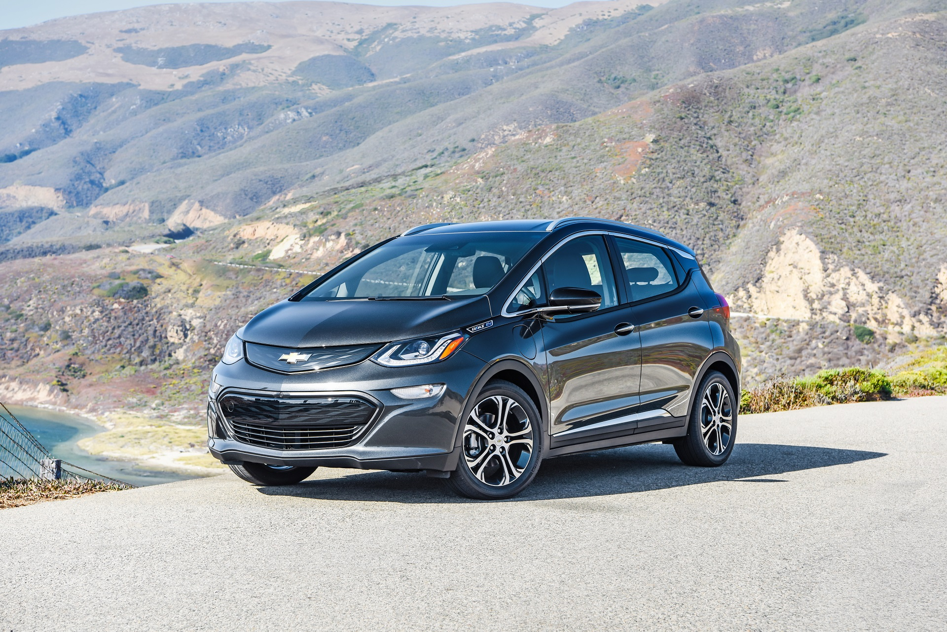 2018 Chevy Bolt EV: Changes, Mileage, Price >> Changing Tires On Chevy Bolt Ev Electric Car Your Range