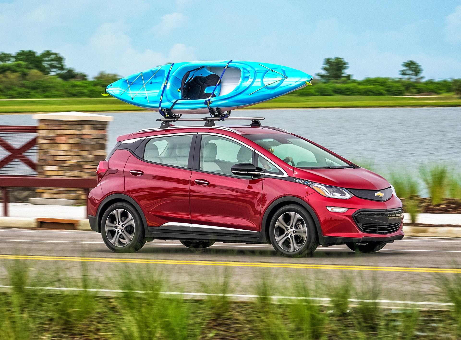 Plug-in electric car sales in Dec: 2017 set new record, Bolt EV ...