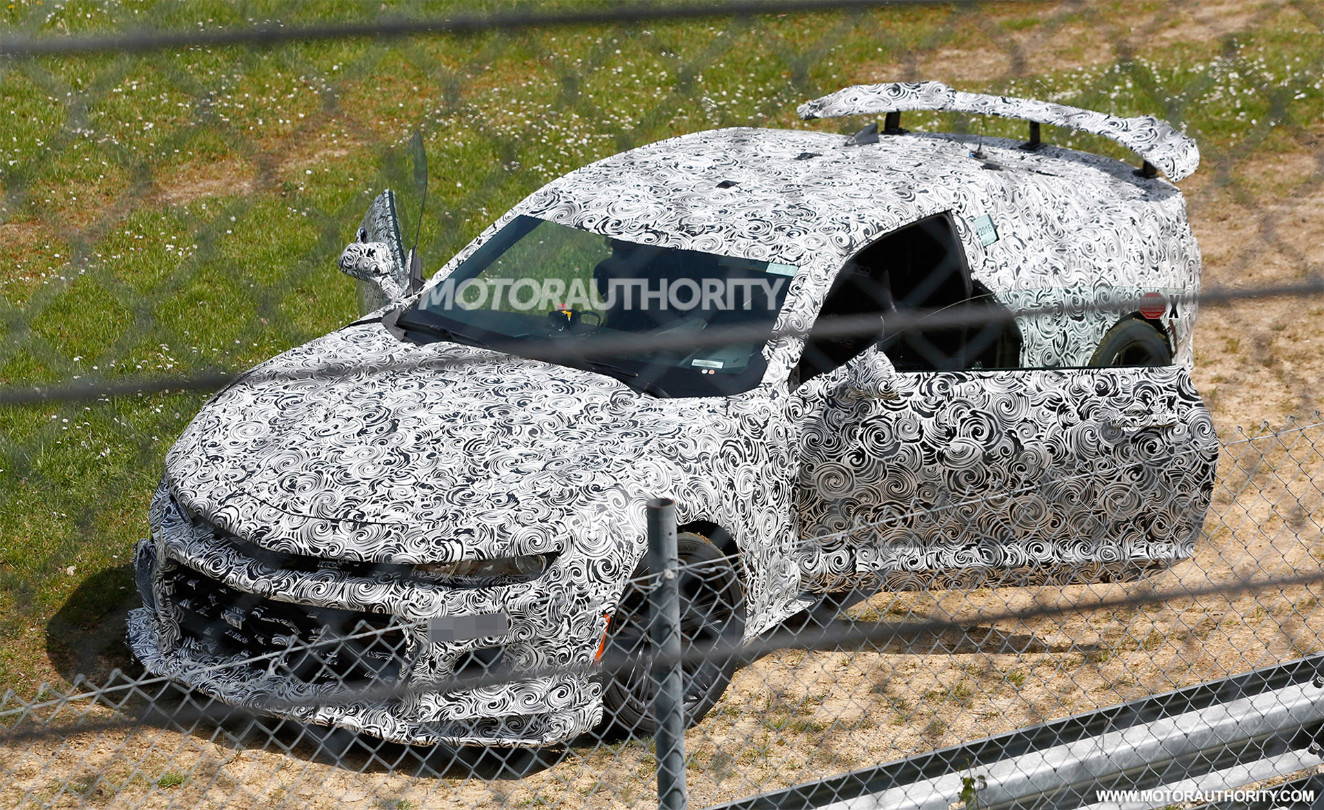 2018 Chevrolet Camaro Z/28 prototype crashes on the 'Ring