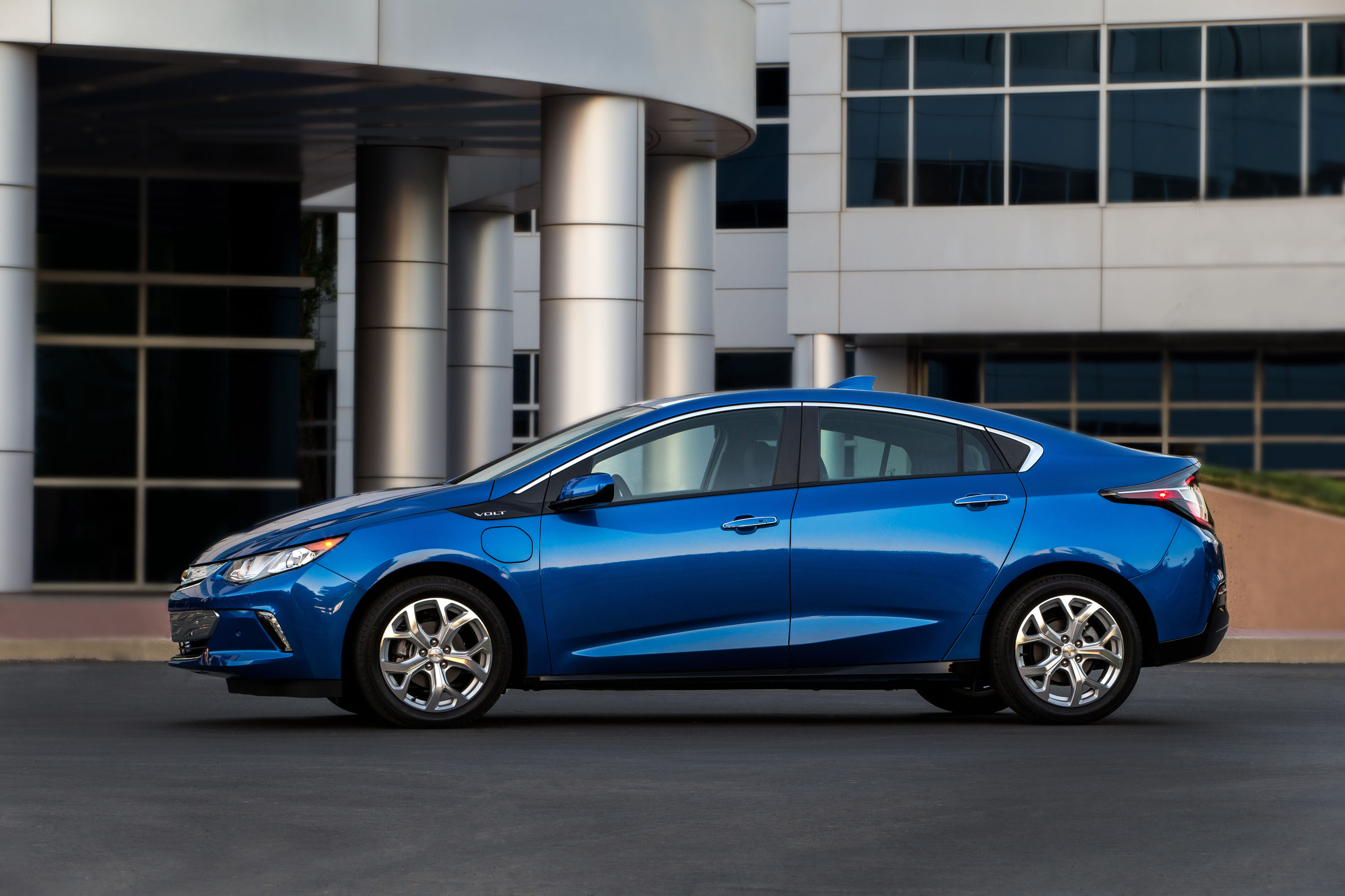 Chevy Volt 0 60 >> 2018 Chevrolet Volt Chevy Review Ratings Specs Prices