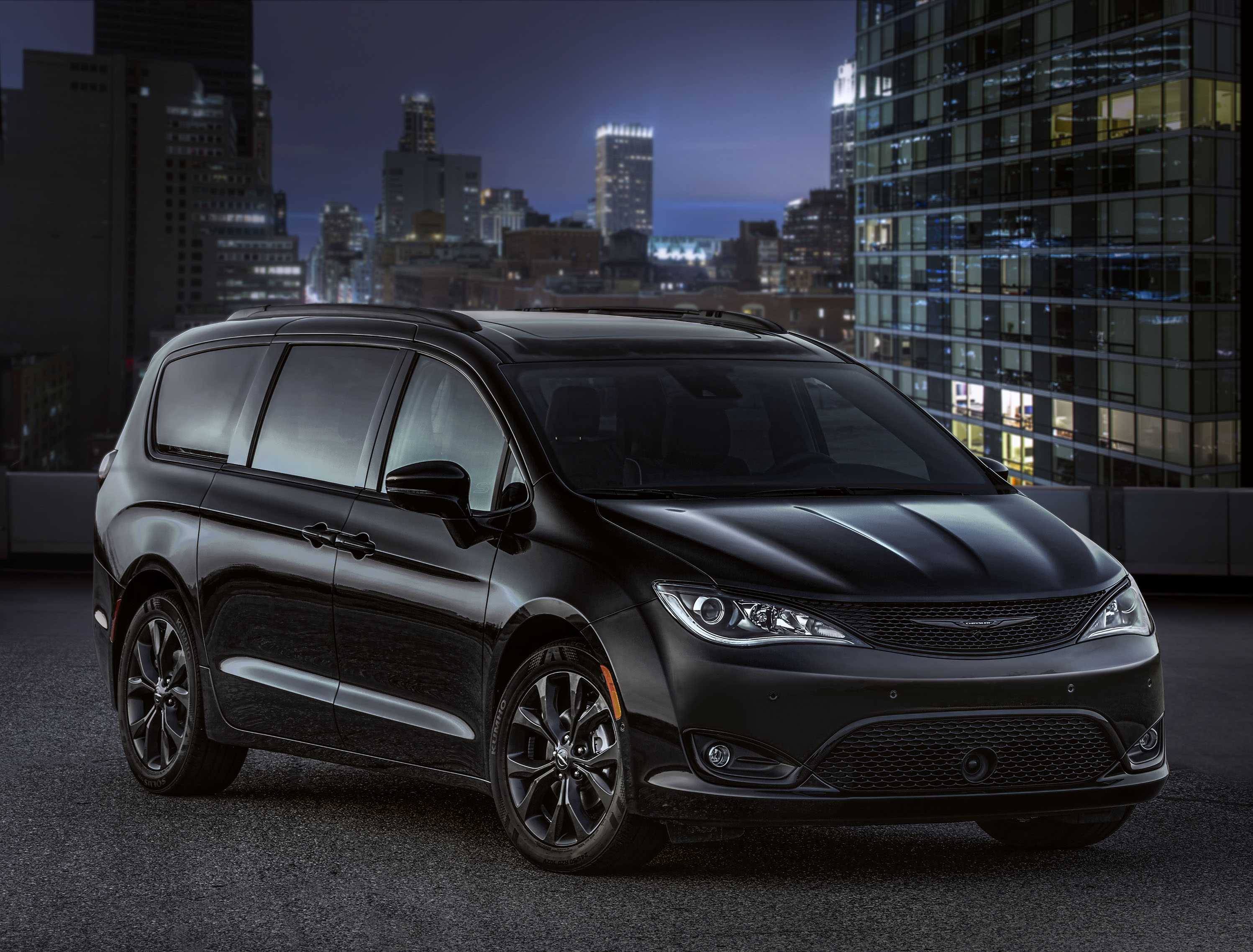 2018 chrysler grand voyager. perfect 2018 in 2018 chrysler grand voyager
