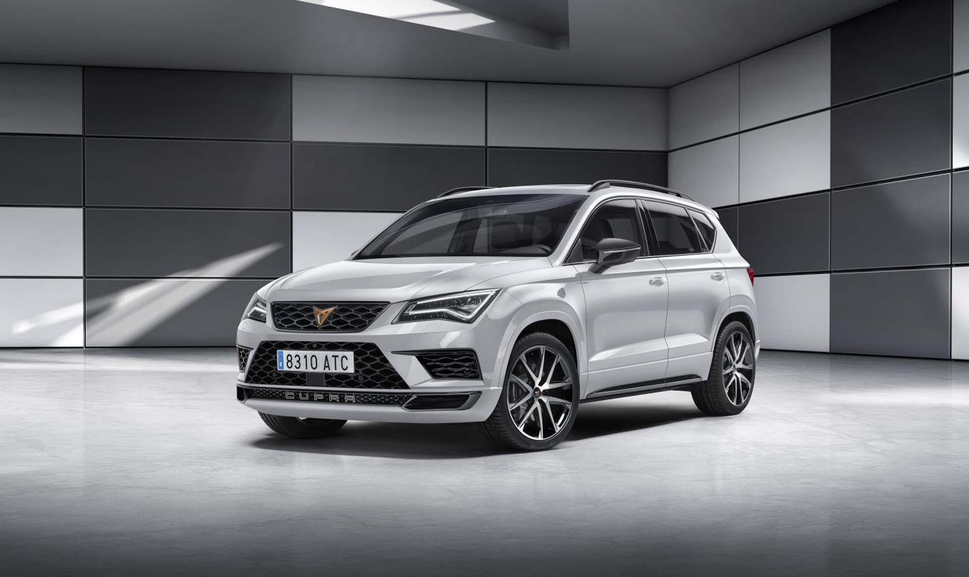 seat launches cupra performance brand with hot ateca suv. Black Bedroom Furniture Sets. Home Design Ideas