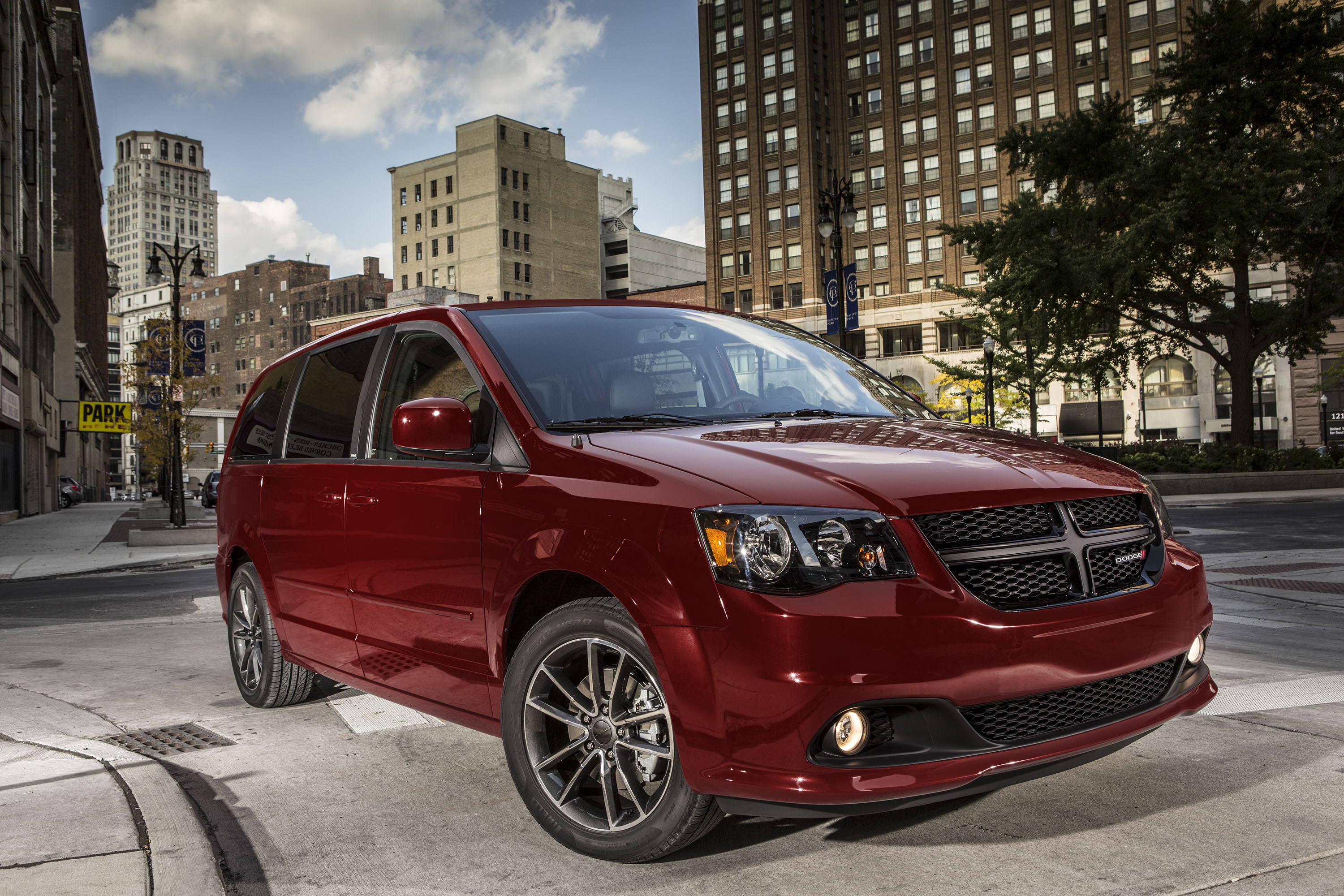 2018 Dodge Grand Caravan Review, Ratings, Specs, Prices ...