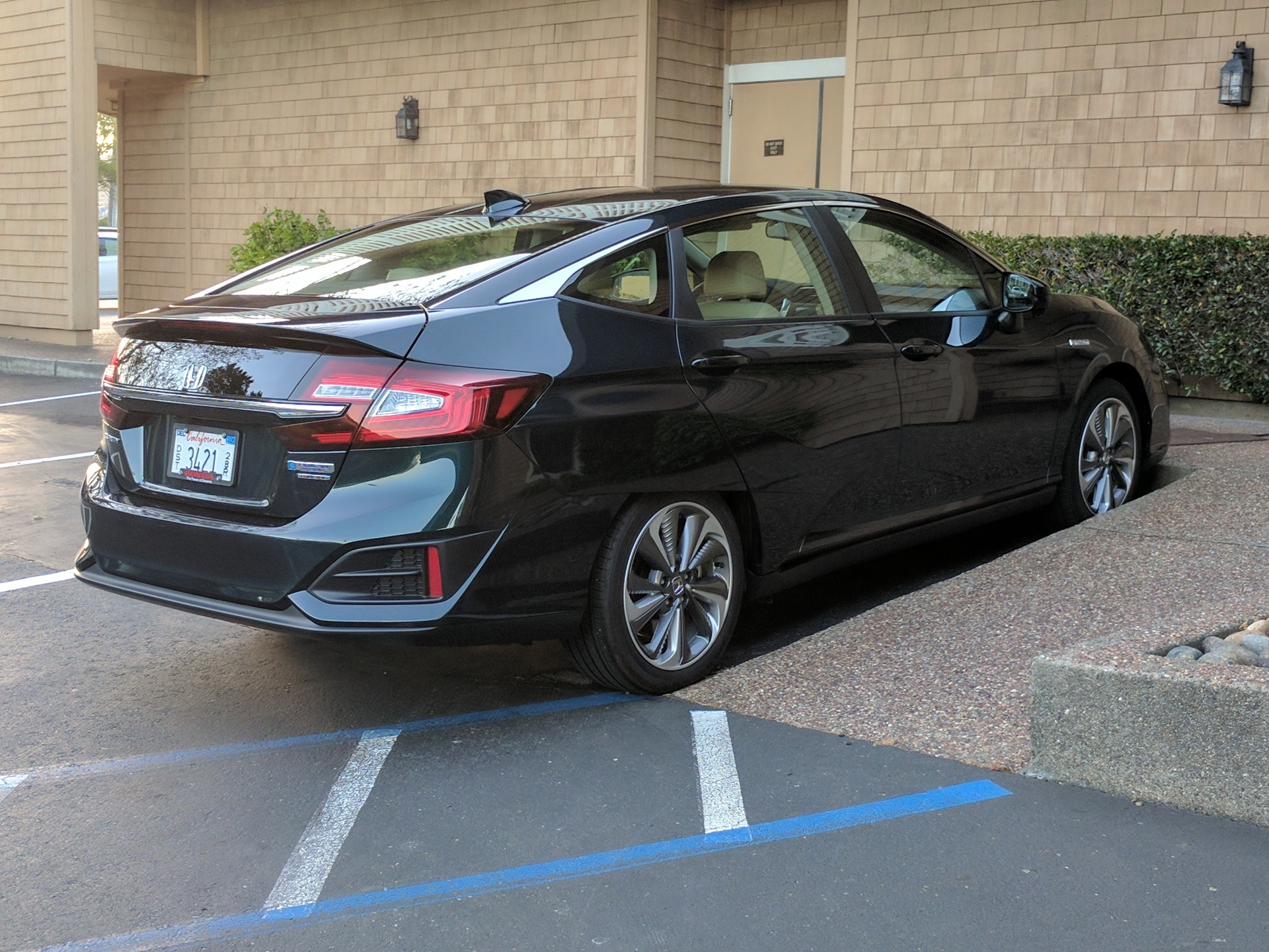 Ghosn On Evs Honda Clarity Phev Driven California Emissions